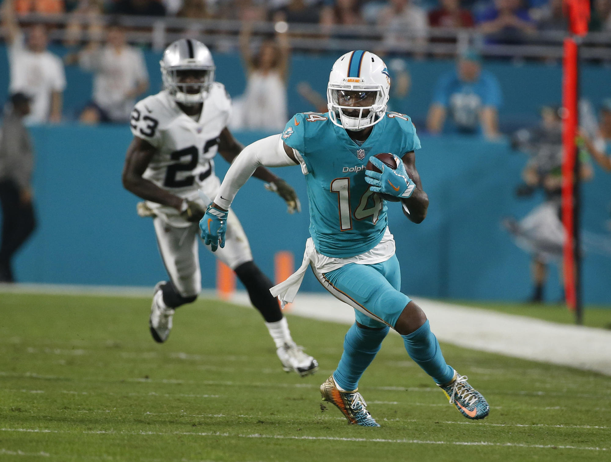 Dolphins put franchise tag on WR Jarvis Landry - Sun Sentinel 08dde958a