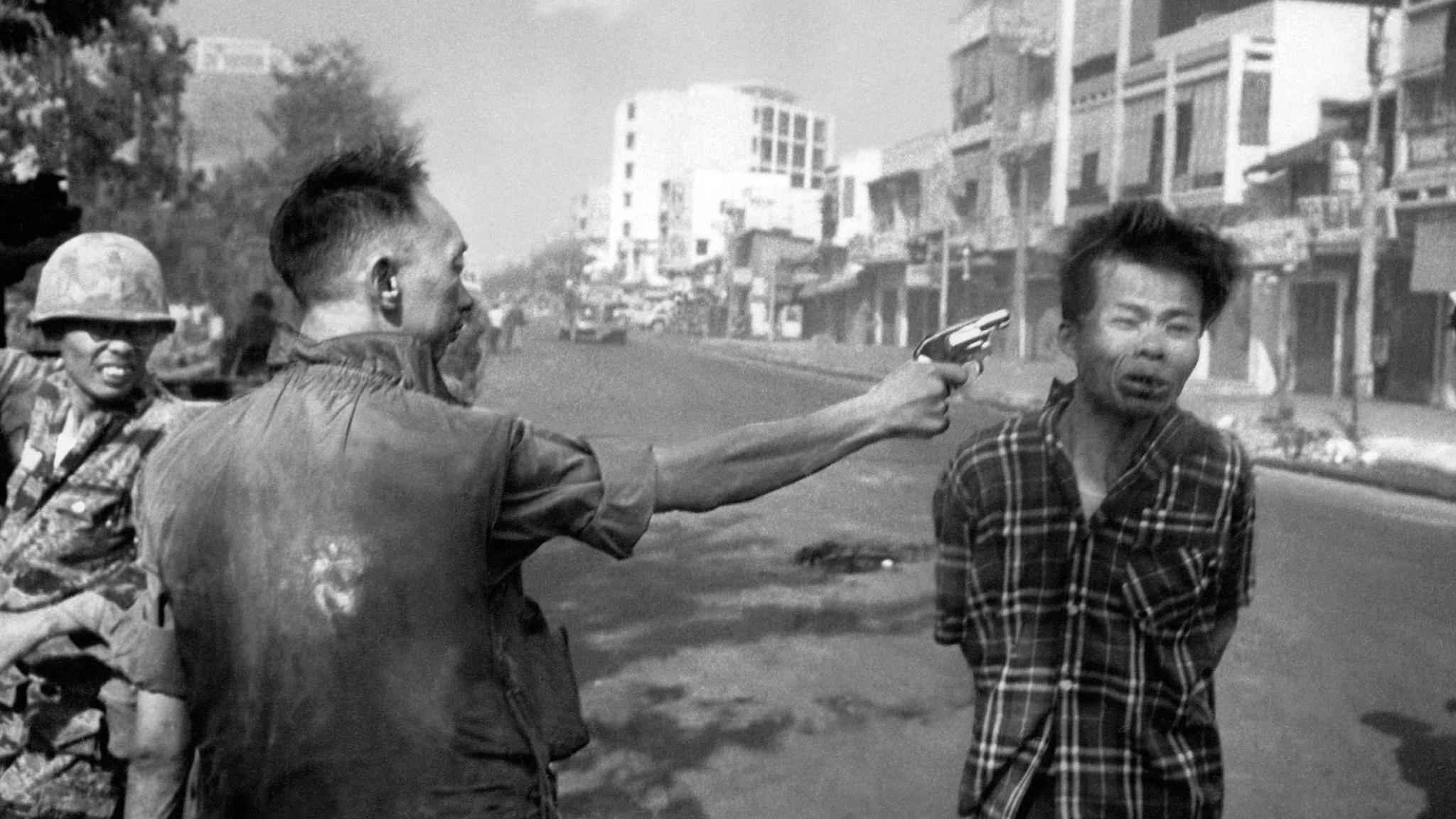 Nguyen Van Lem, Bay Lop