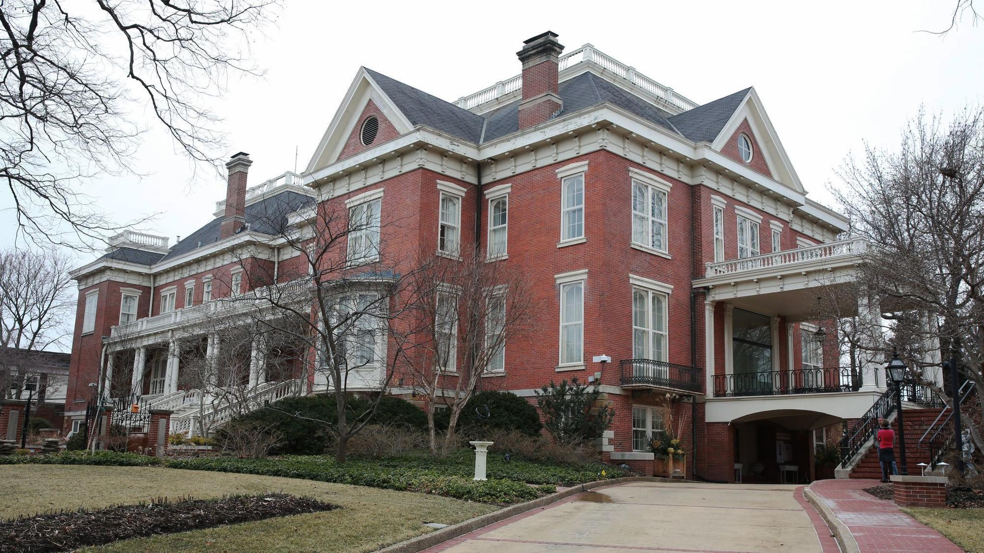 Diana Rauner Calls Governor S Mansion Mess A Metaphor