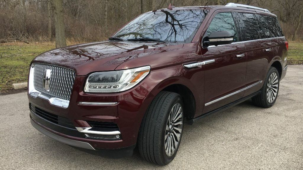 2018 Lincoln Navigator Outdoes Cadillac Escalade As Most Refined Family Hauler Chicago Tribune