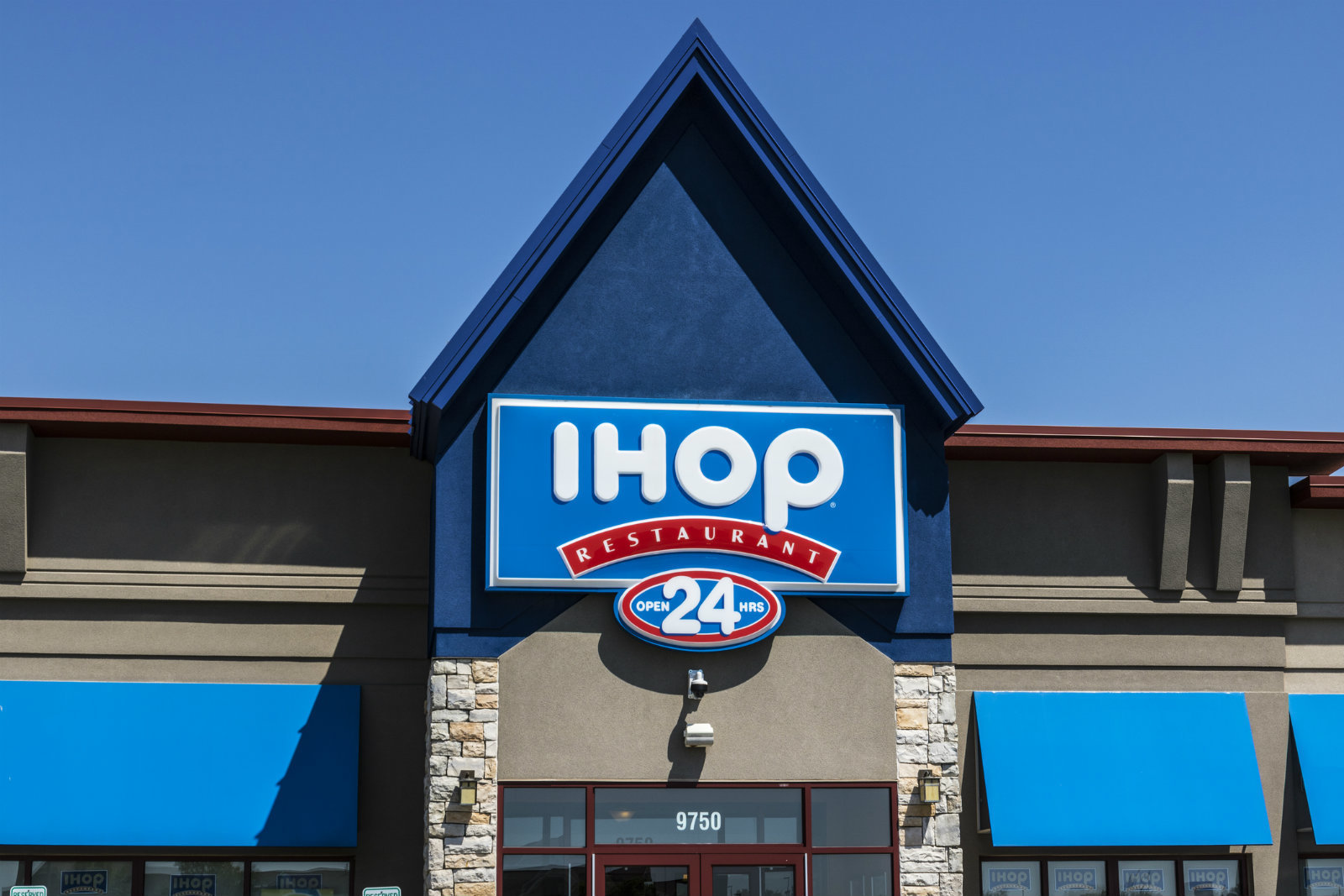 IHOP under fire for alleged racial profiling incident images