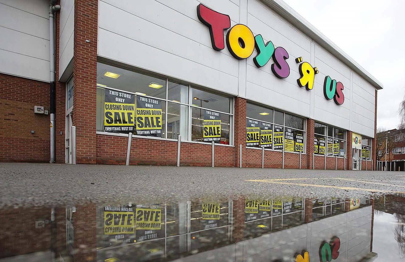 Rise And Fall Of Toys R Us From Dominant Toy Store