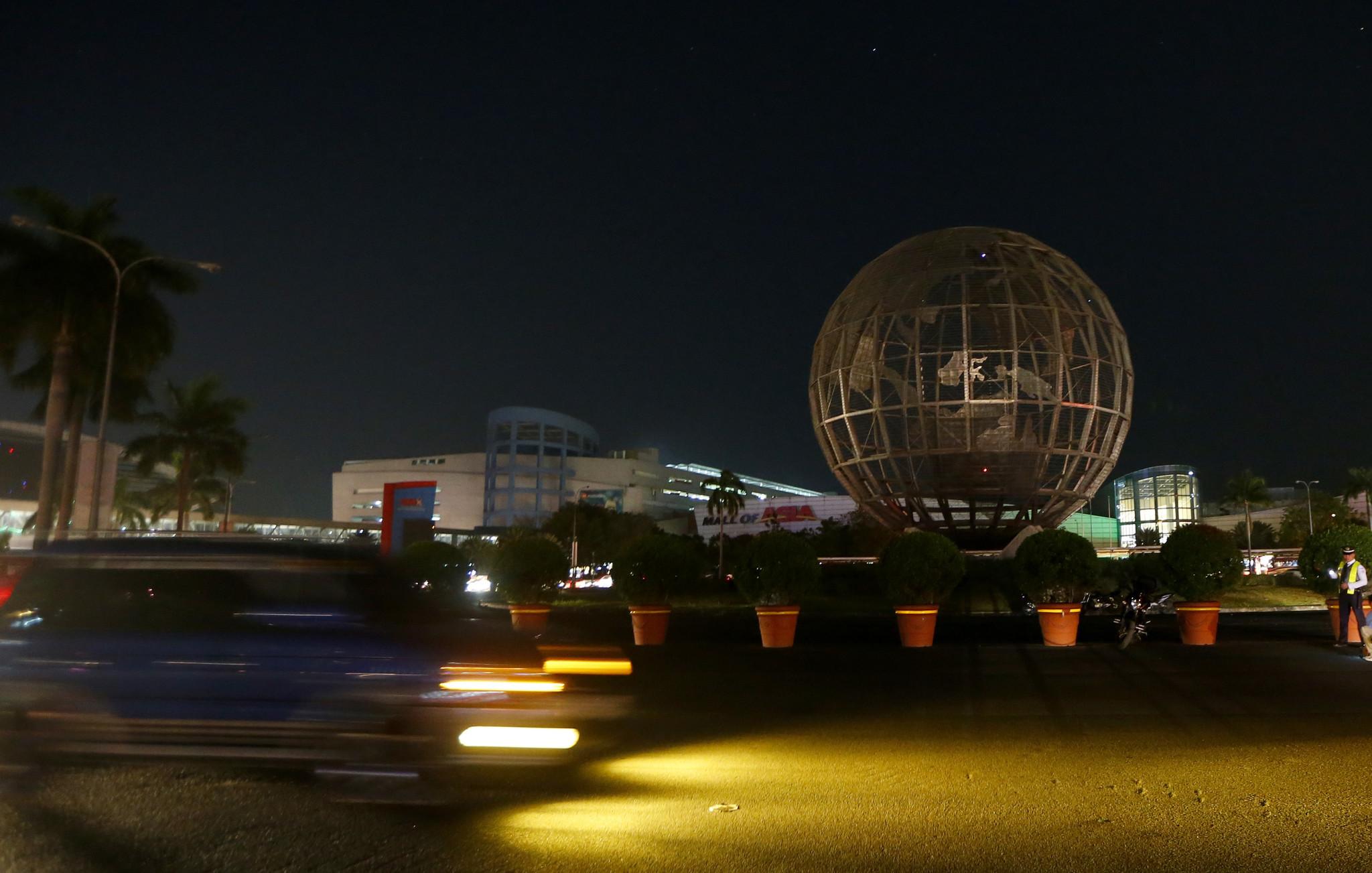 Across the globe, lights go dark for Earth Hour to ...