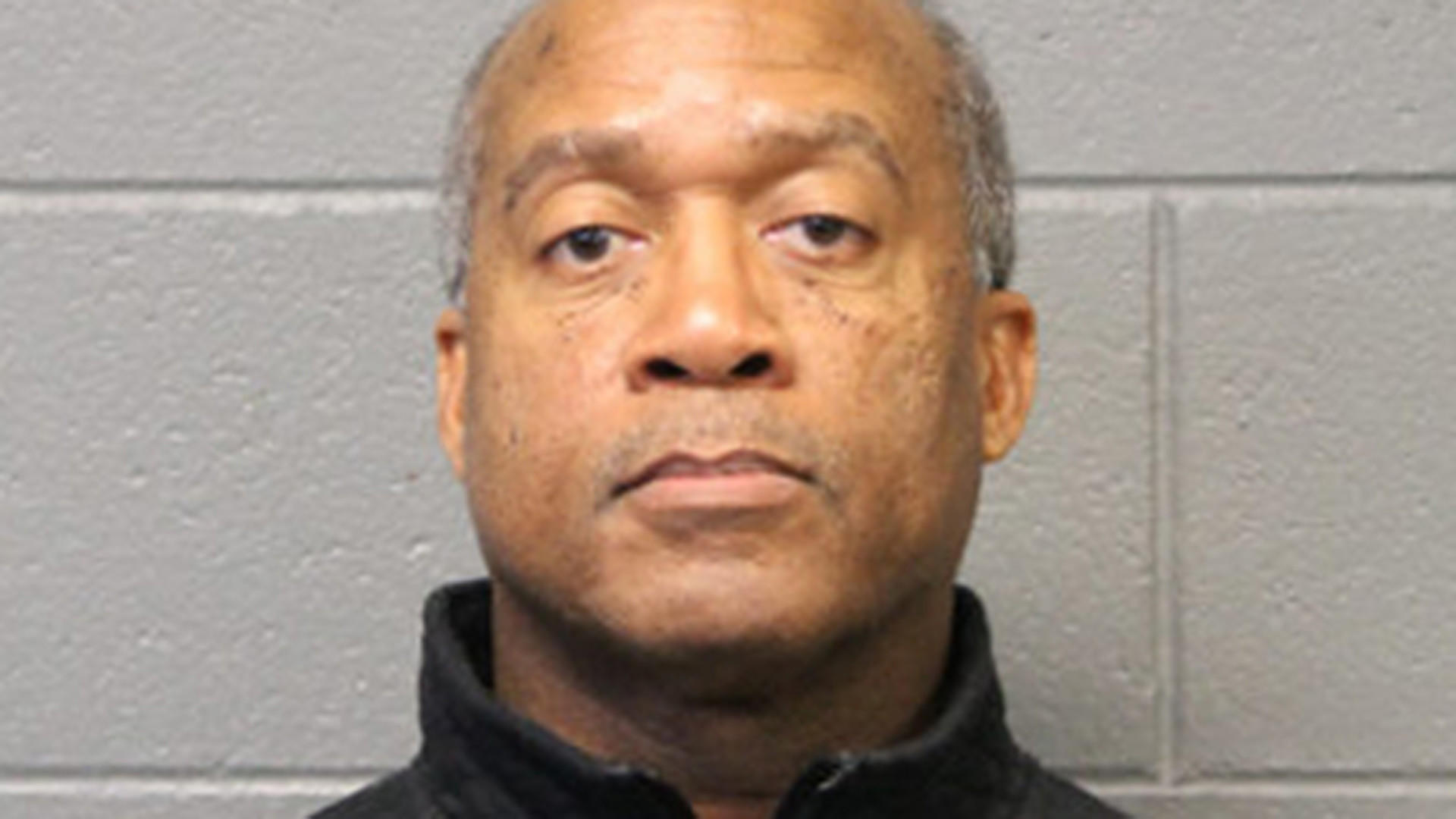 Former Chicago cop charged with on-duty sexual abuse ...