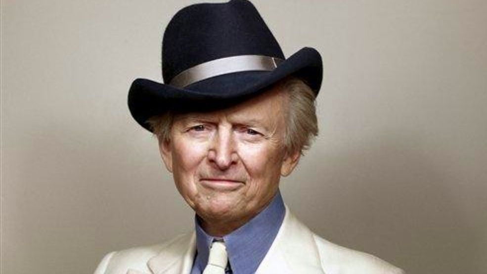 Author Tom Wolfe in later years