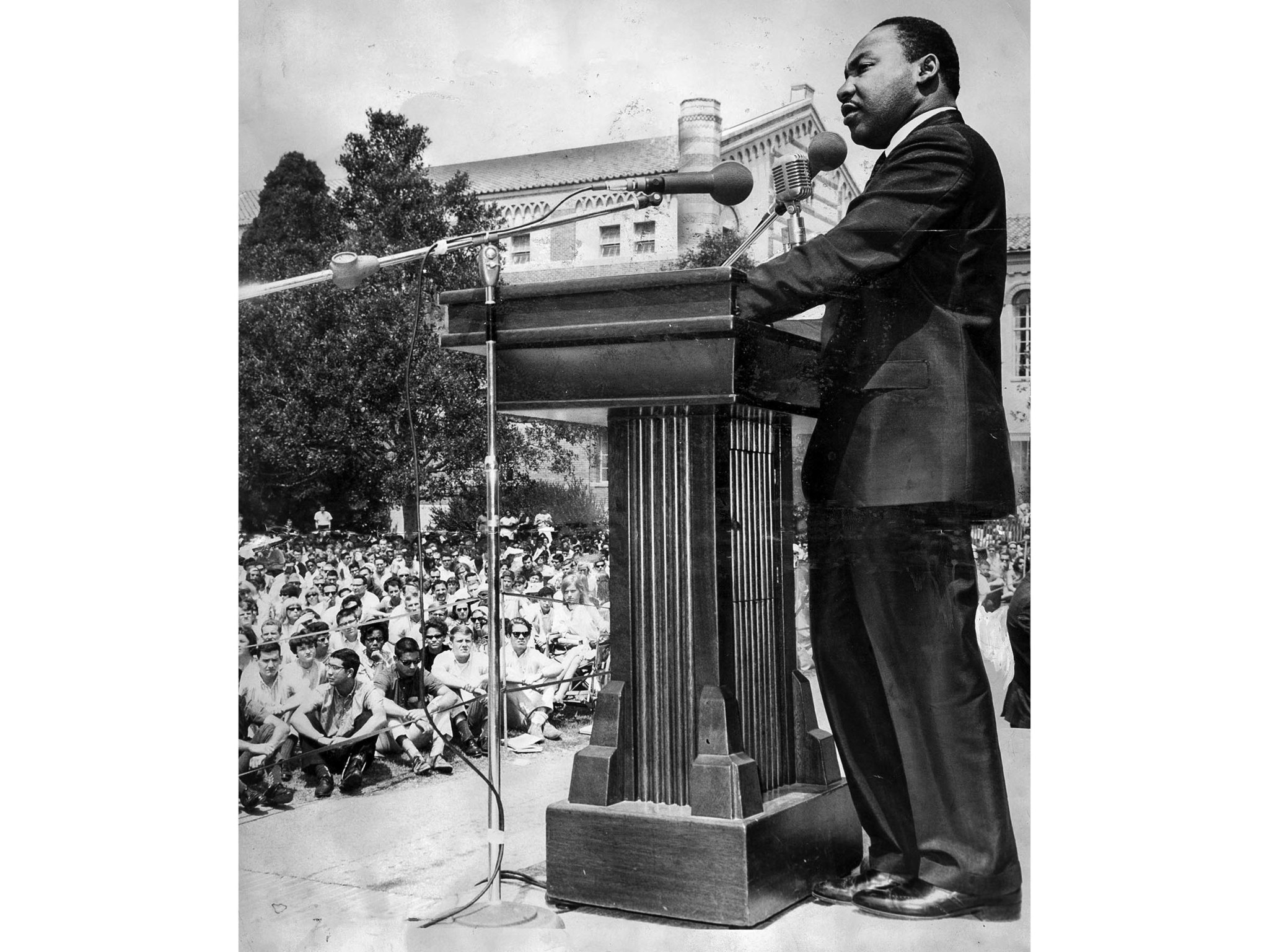 Apr. 27, 1965: Dr. Martin Luther King adressing students at UCLA. This image was published the next