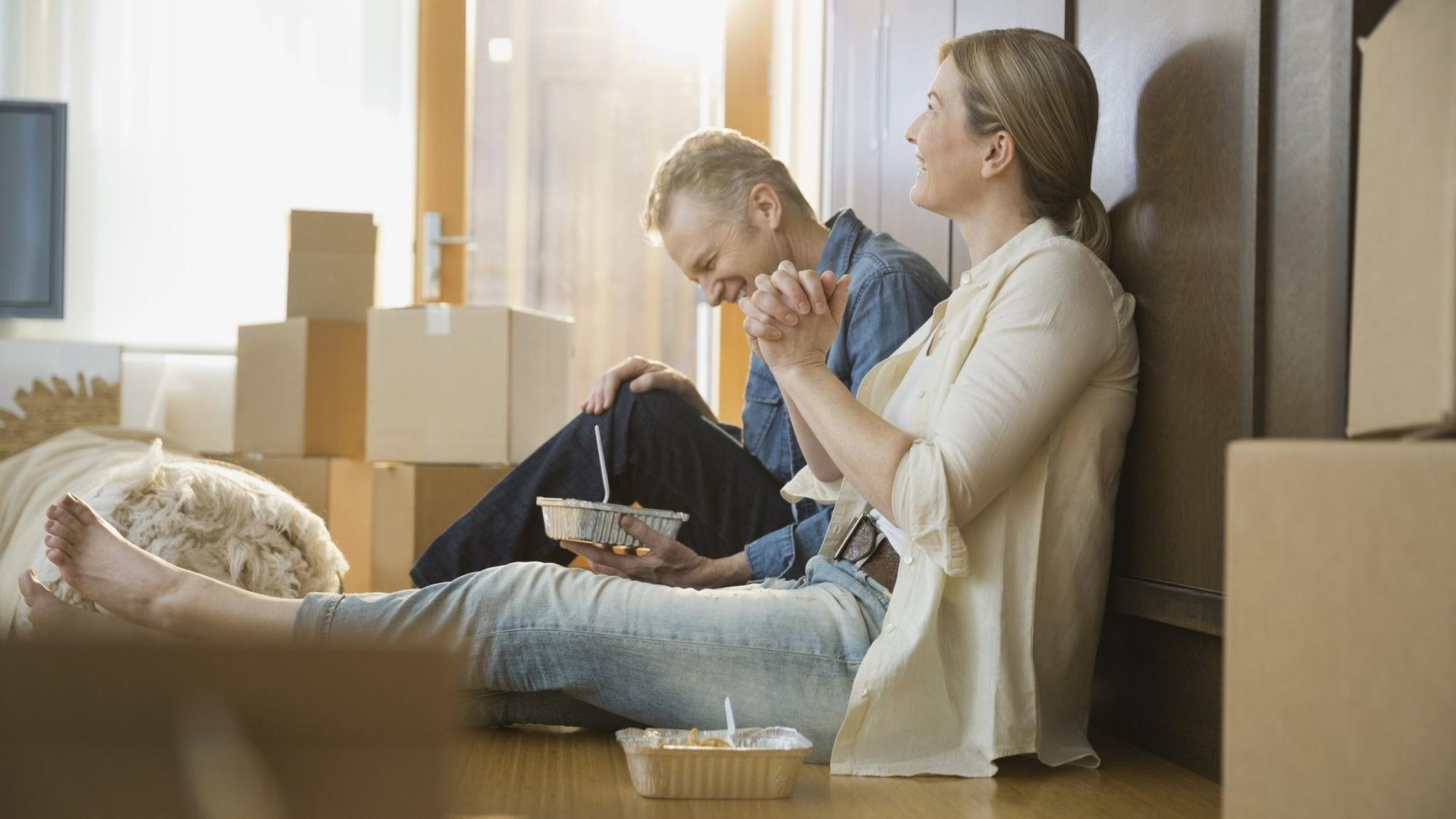 Should Unmarried Couples Sign A Contract Before Moving In Together