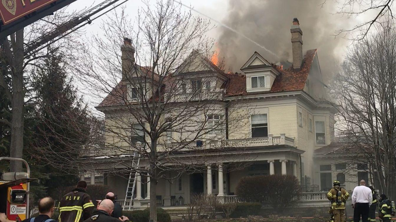 Fire Rages In American Beauty Historic House In Hinsdale