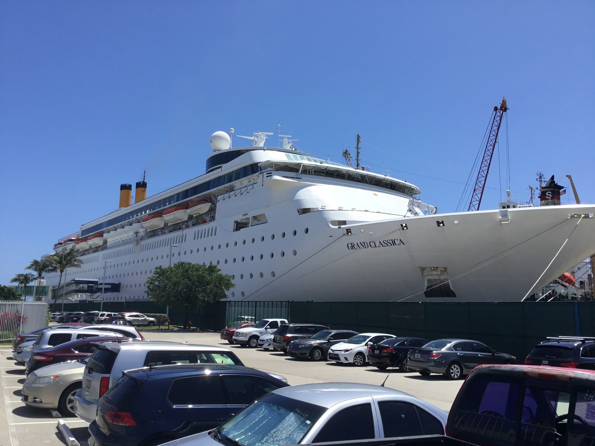 Check Out The Grand Classica Bahamas Paradise Cruise