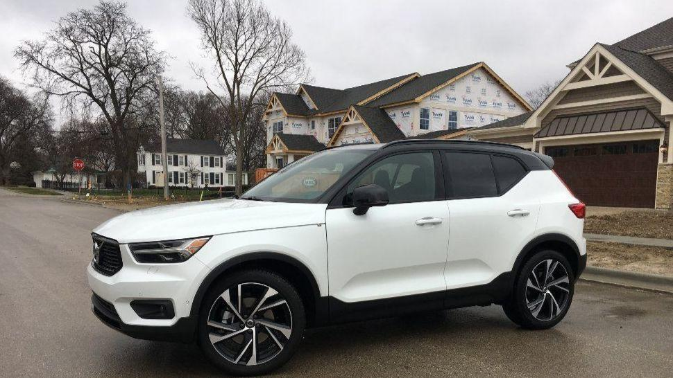 New Volvo Xc90 >> Review: 2019 Volvo XC40 continues winning crossover ...