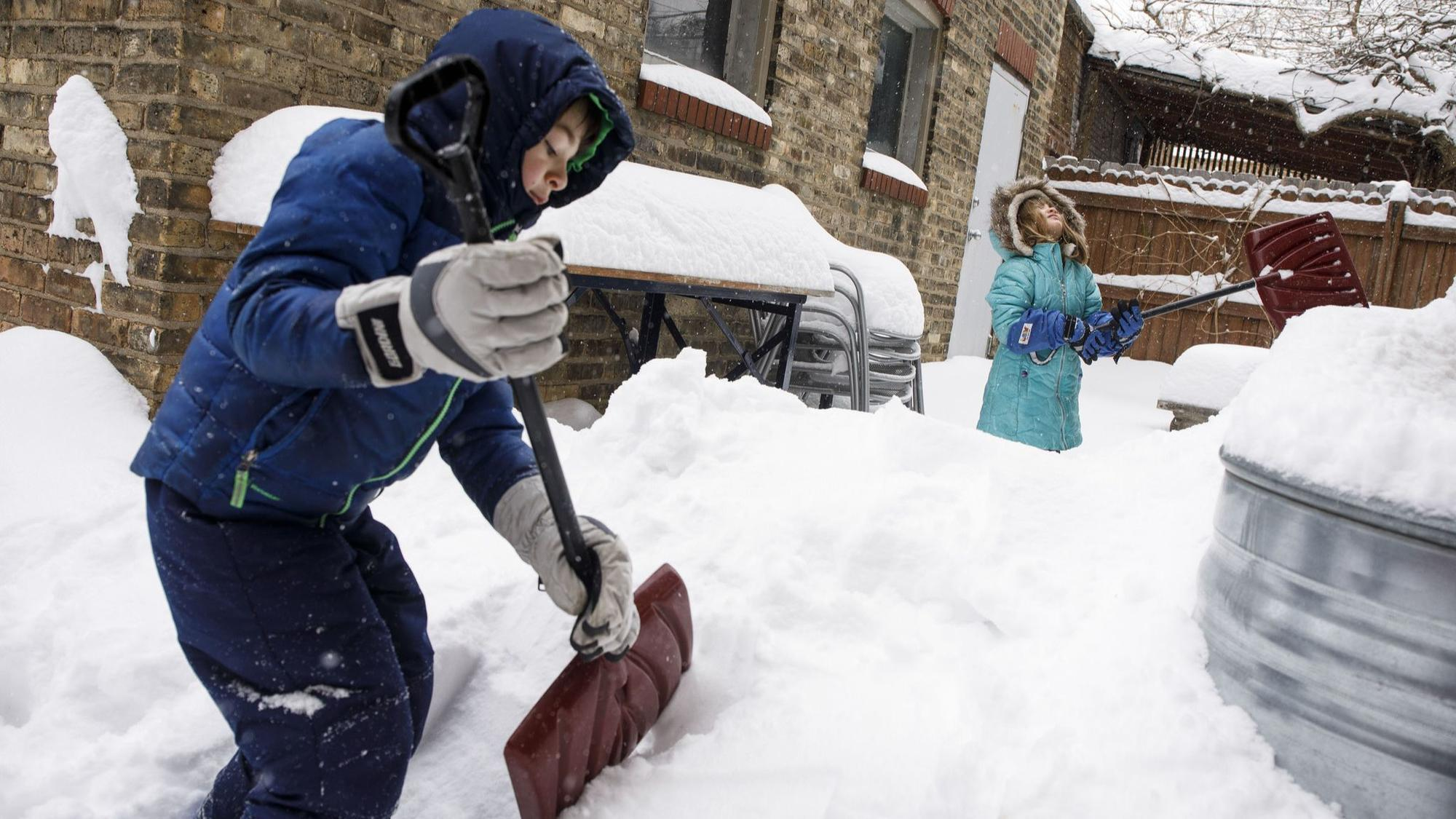 Snow Day Means Summer Has To Wait A Bit For Chicago Public
