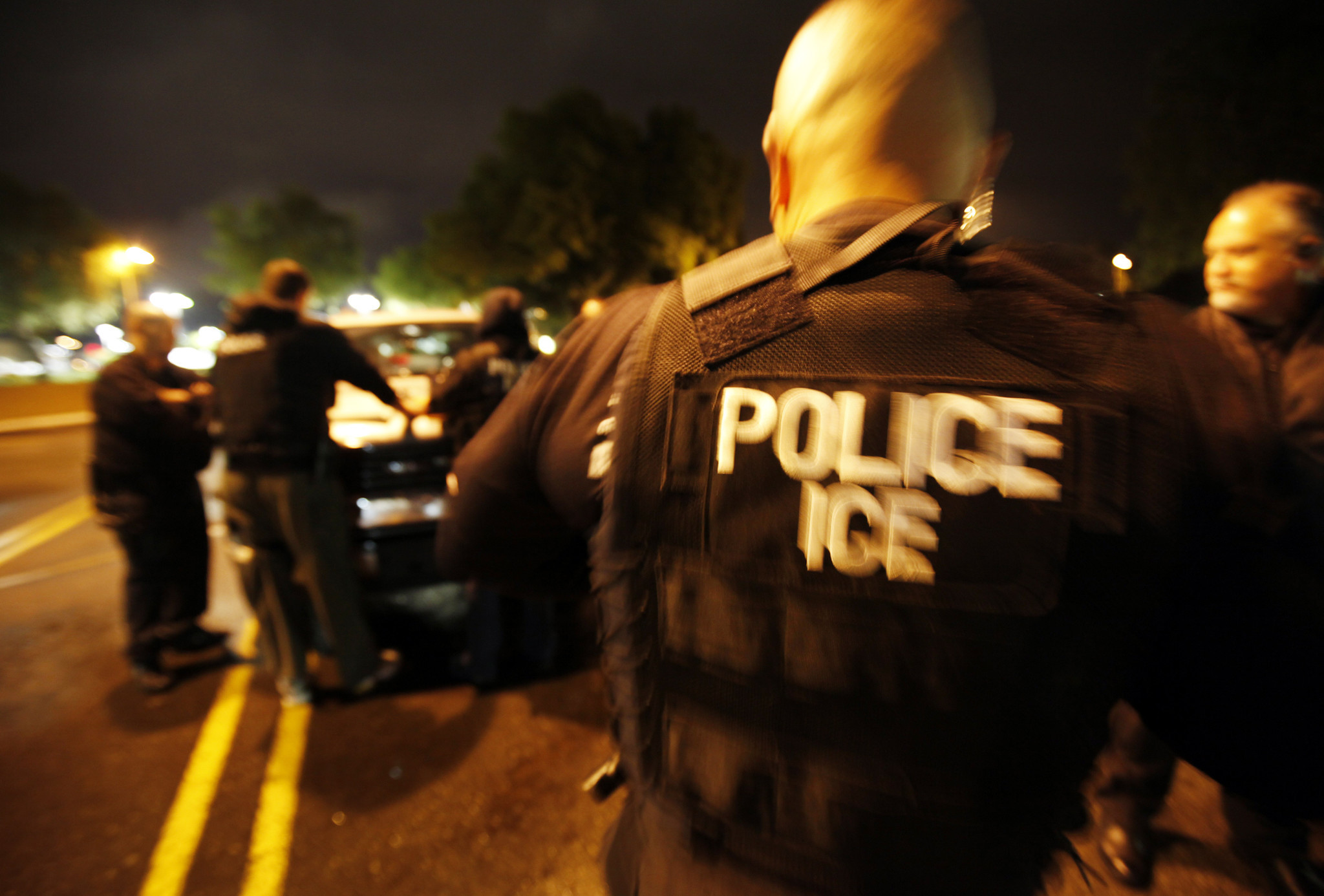 la–me–adv–ICE–arrests
