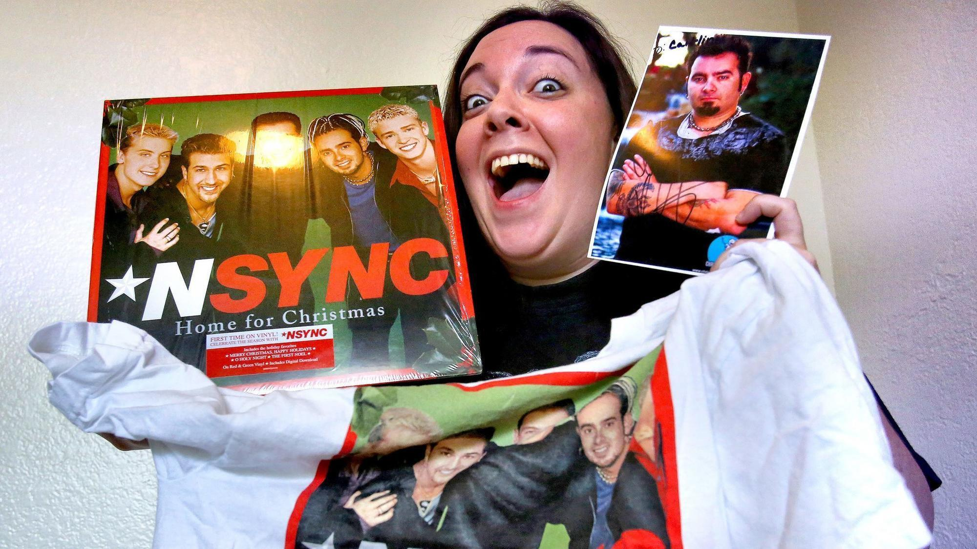 nsync fans on walk of fame star its about time orlando sentinel - Merry Christmas Happy Holidays Nsync