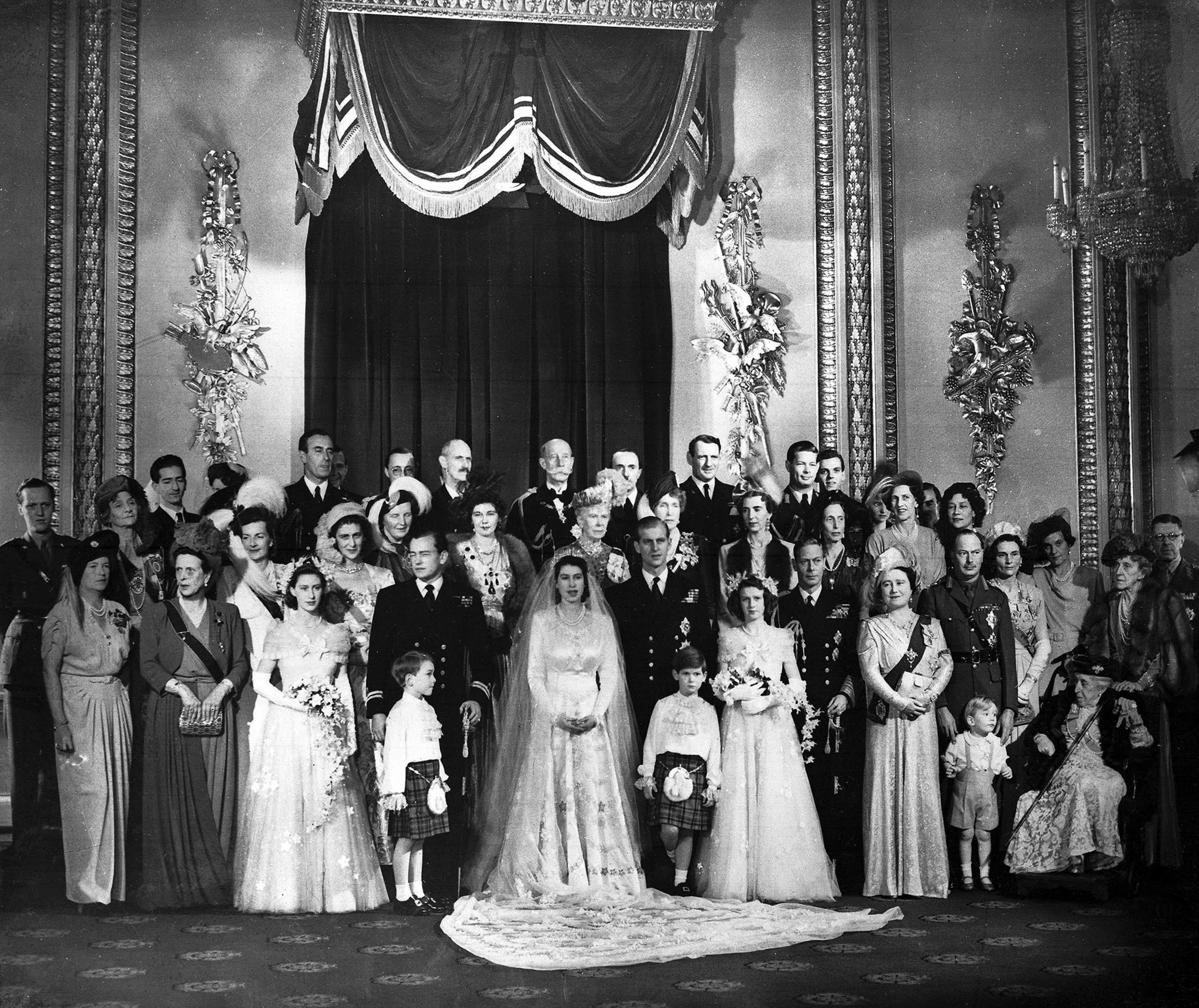 Buckingham Palace wedding picture