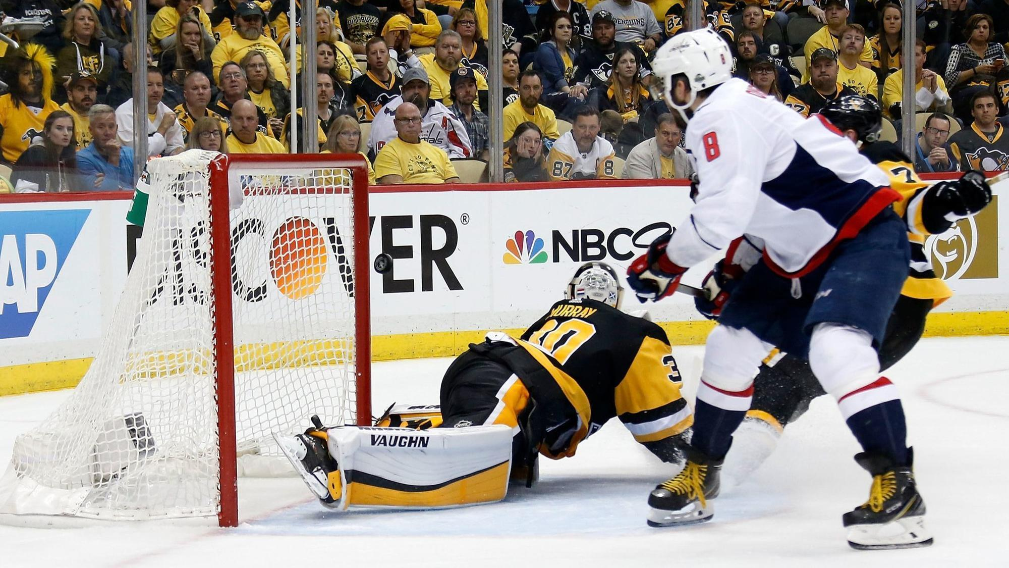 a863bfe6795 Ovechkin s goal with 1 07 left gives Capitals 4-3 win over Penguins ...