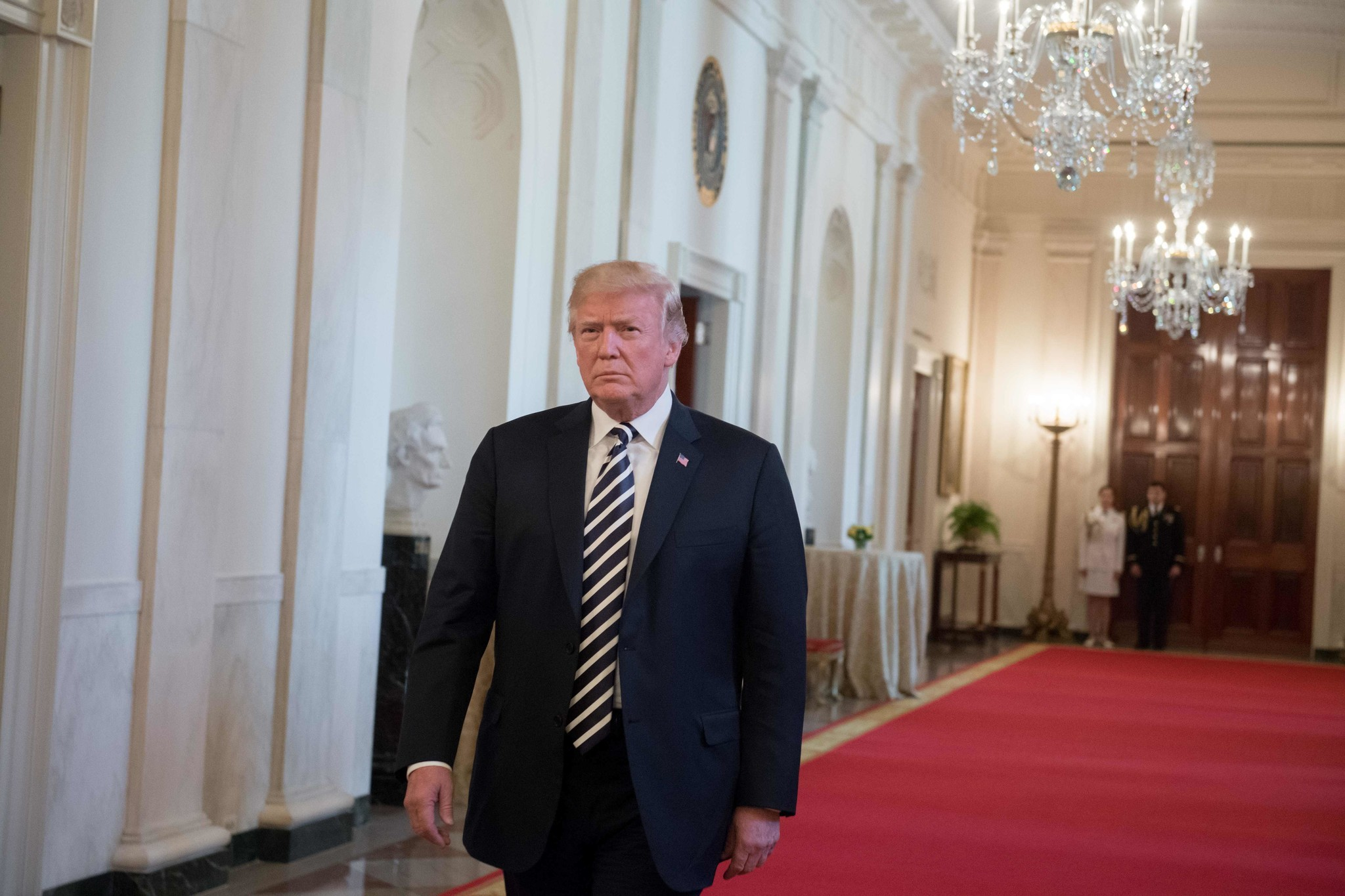 Trump escalates GOP's clash with Justice Department