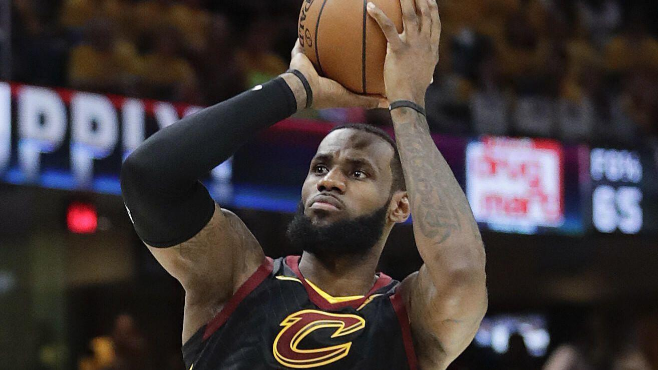 4464bb8fc850 Is LeBron James the GOAT  Forget the debate. It s asking the wrong  question. - Chicago Tribune
