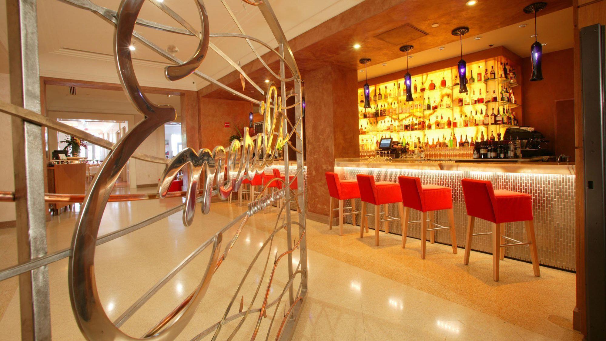 Emeril S Restaurant To Close At Universal Citywalk
