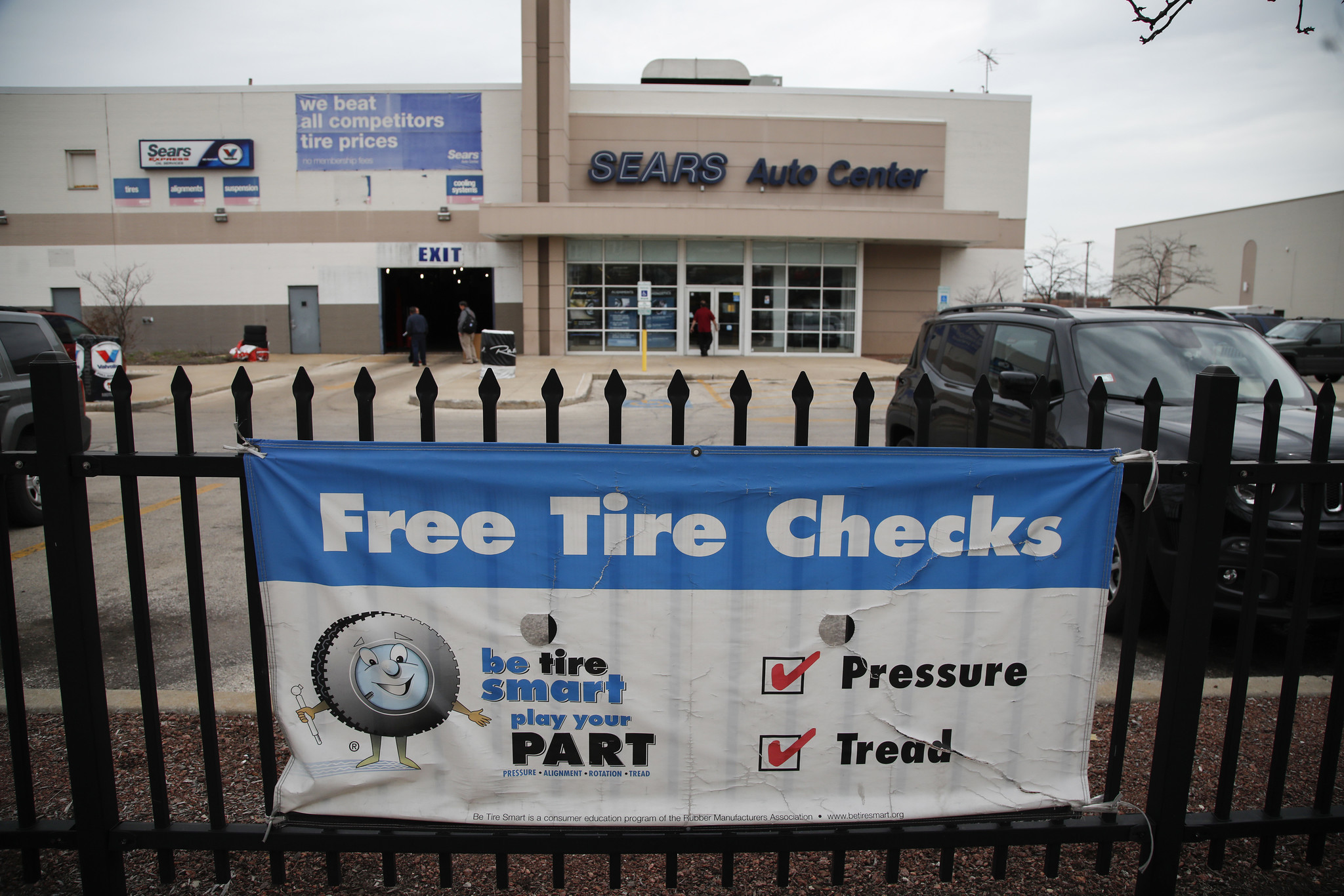 Sears Amazon Strike Deal On Tire Installation Chicago Tribune