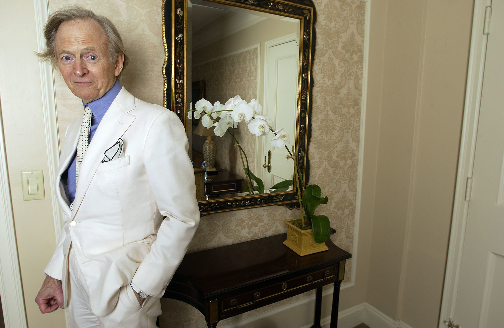 Tom Wolfe Pioneering Author And New Journalist Dead At