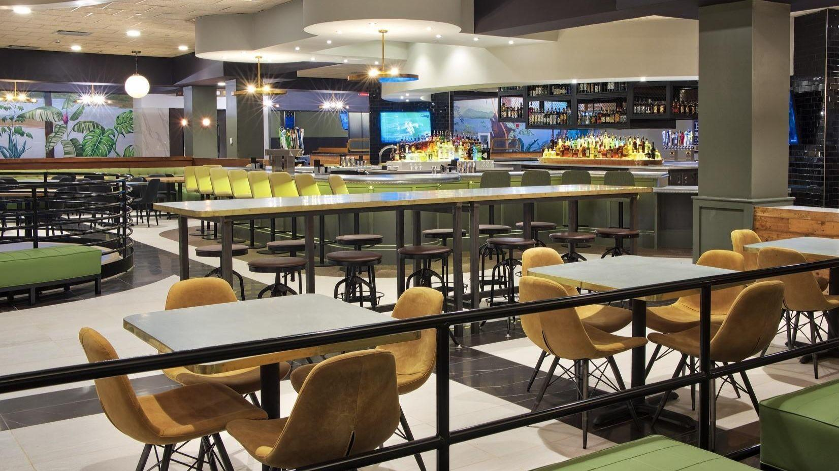 Boca S Cinemark Movie Theater Reopens Restaurant And Bar