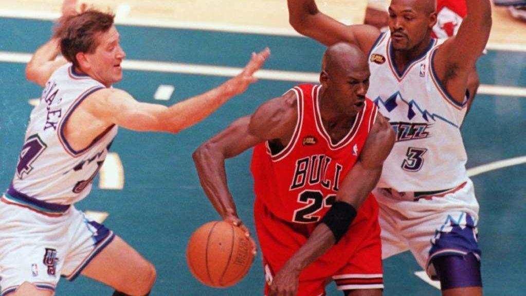 2b0f03134c9c Nike to sell Michael Jordan jerseys commemorating 20th anniversary of  Bulls  last title - Chicago Tribune