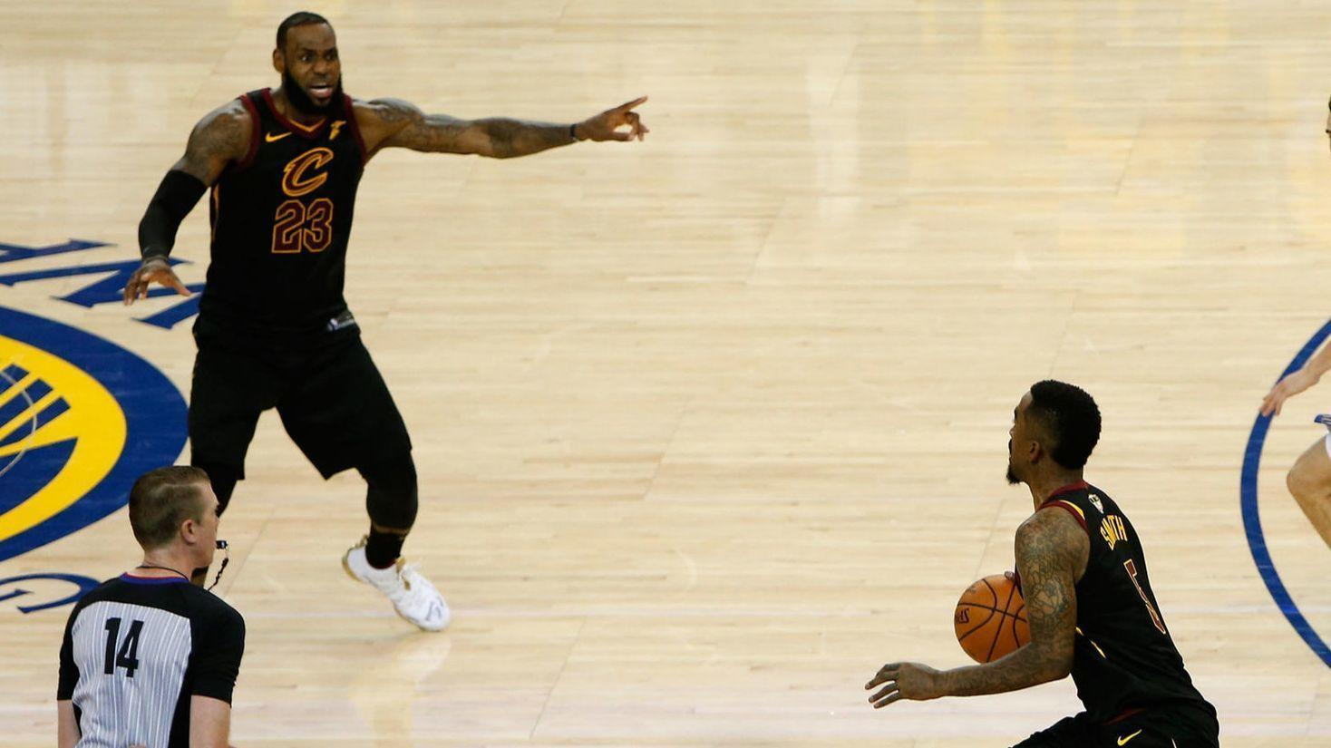25c15c385df LeBron James can t save the Cavaliers from stupid - Chicago Tribune