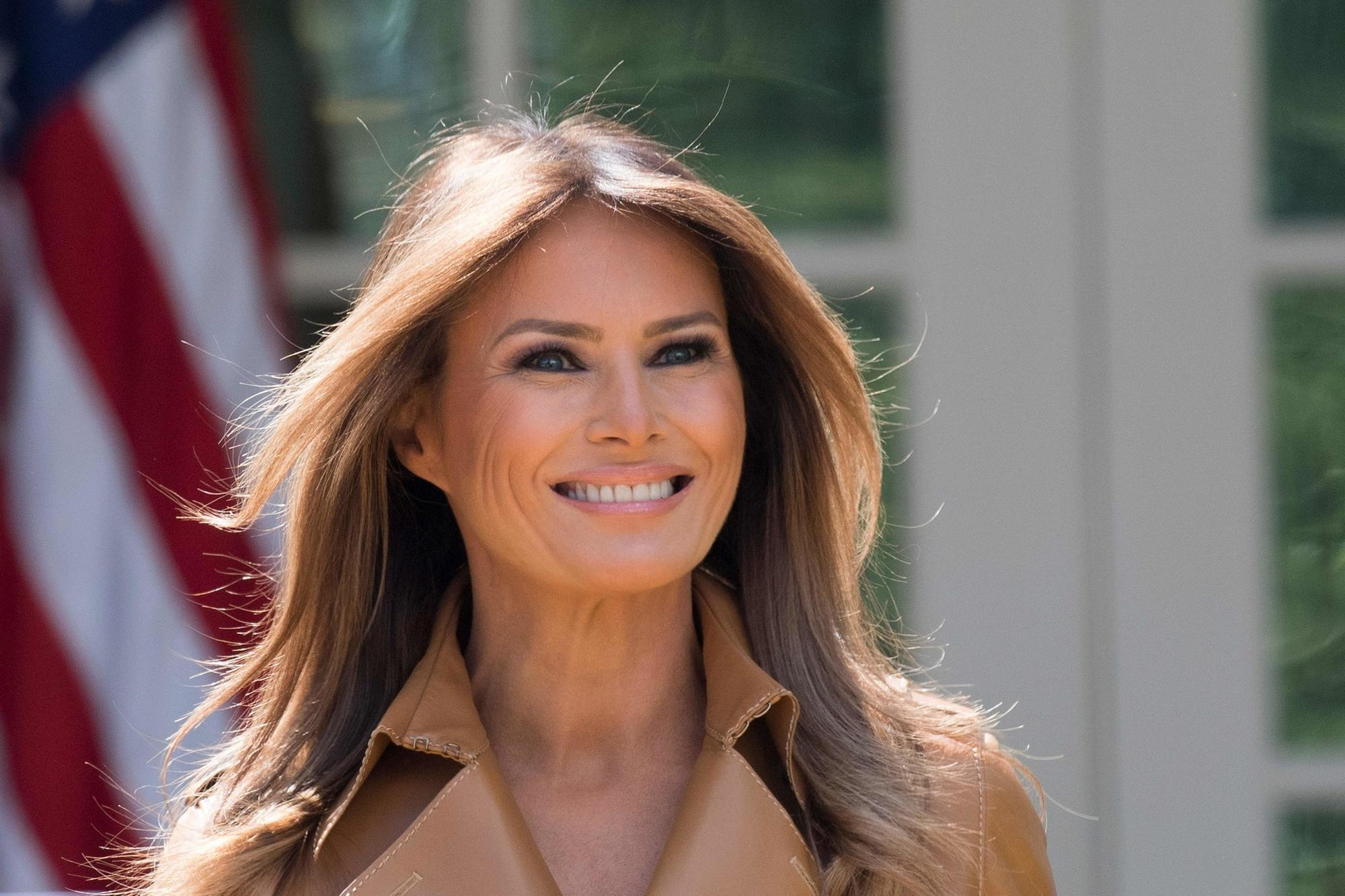 Melania Trump isn't missing — she's living with the Obamas ...