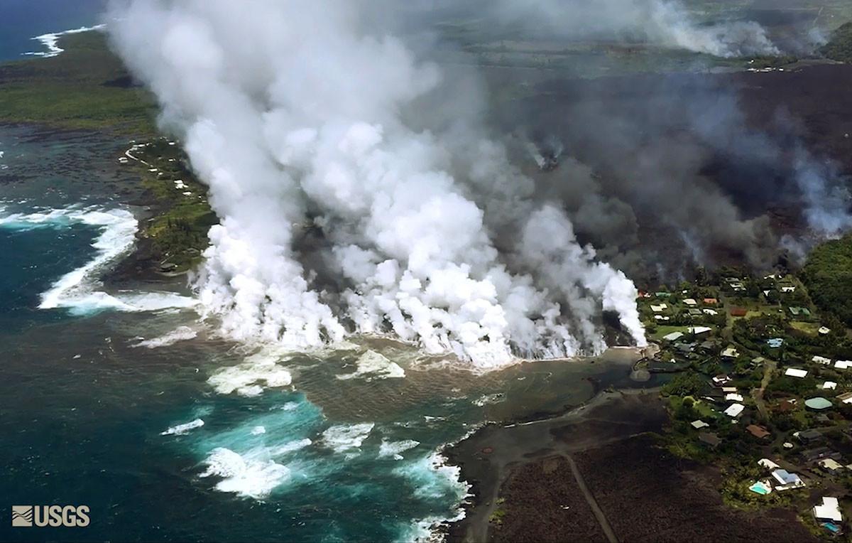 Hawaiian neighborhoods completely destroyed as lava rolls into the sea