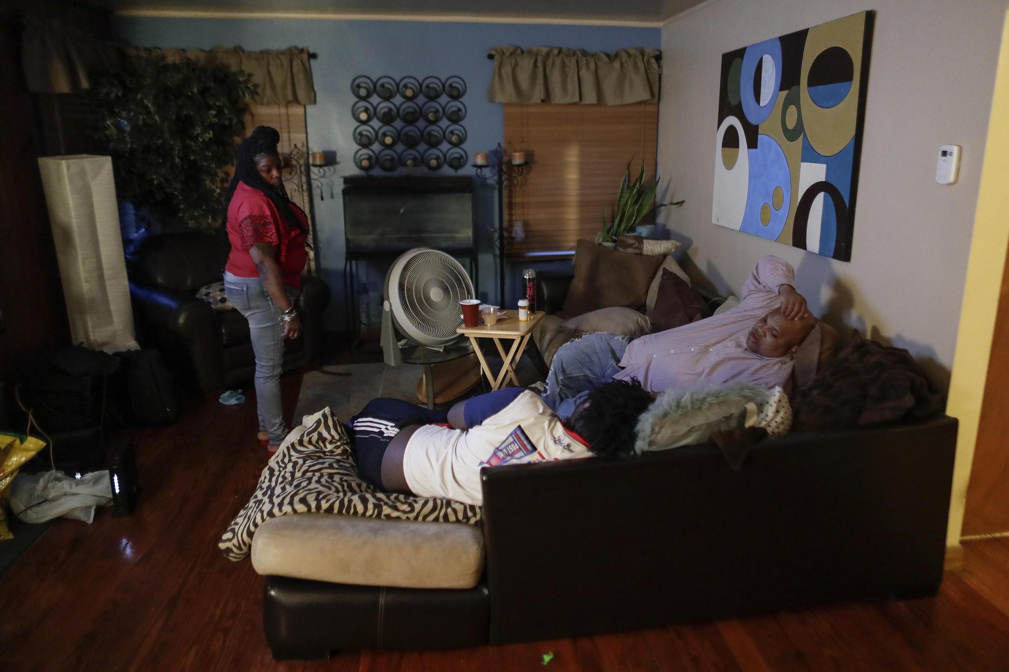 Ray Winans visits Mario Brown