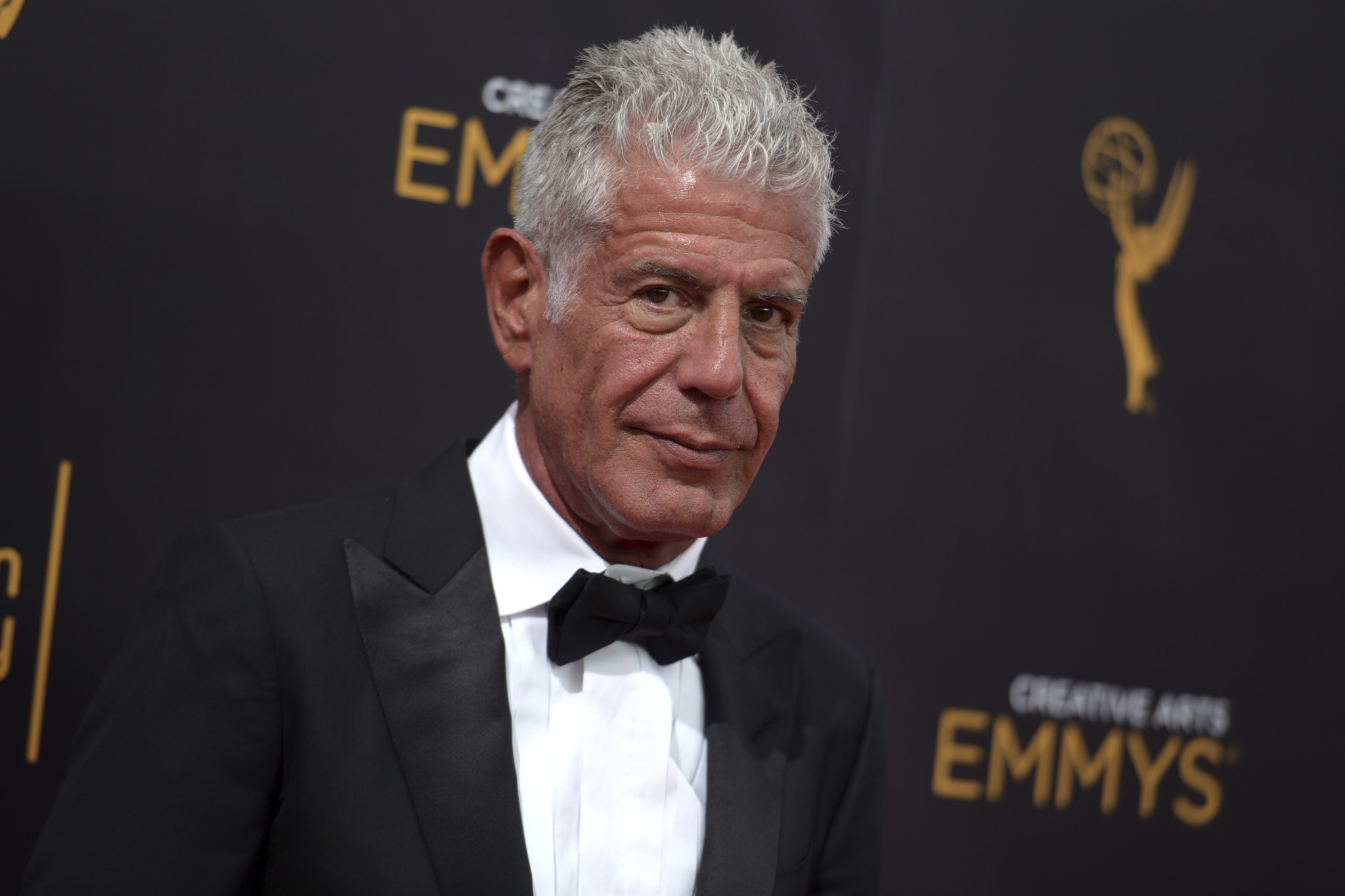 where to watch old episodes of anthony bourdain s tv shows chicago