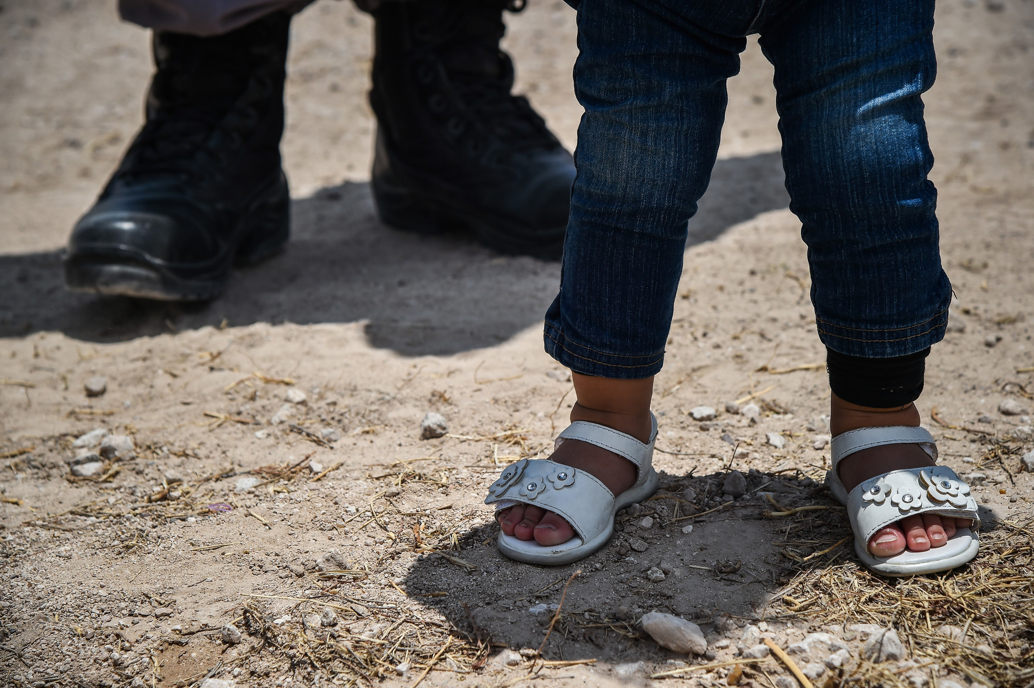 Texas sheriff refuses to help feds guard migrant children tent city, saying 'it'...