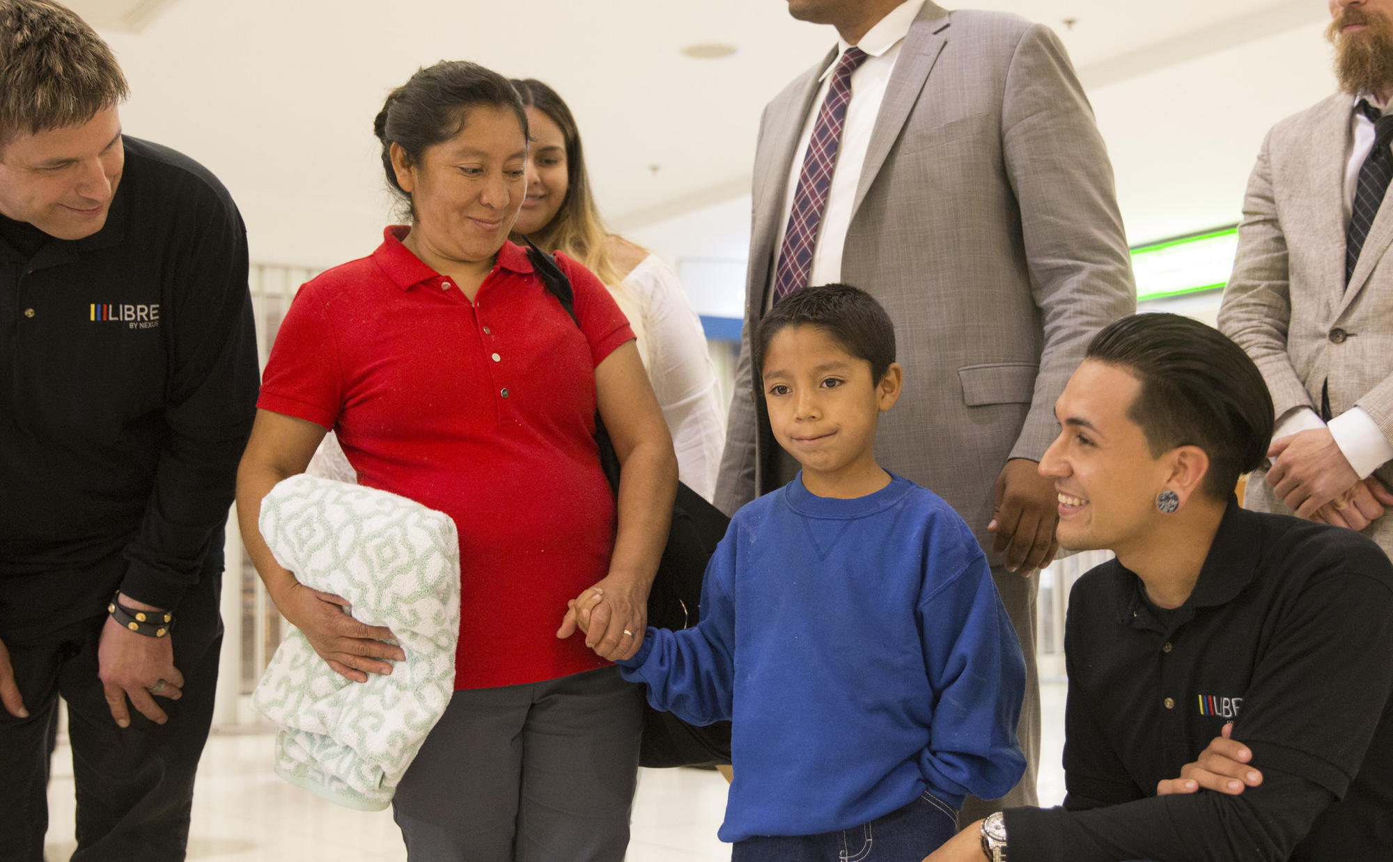 guatemalan woman reunited with her son at baltimore airport after