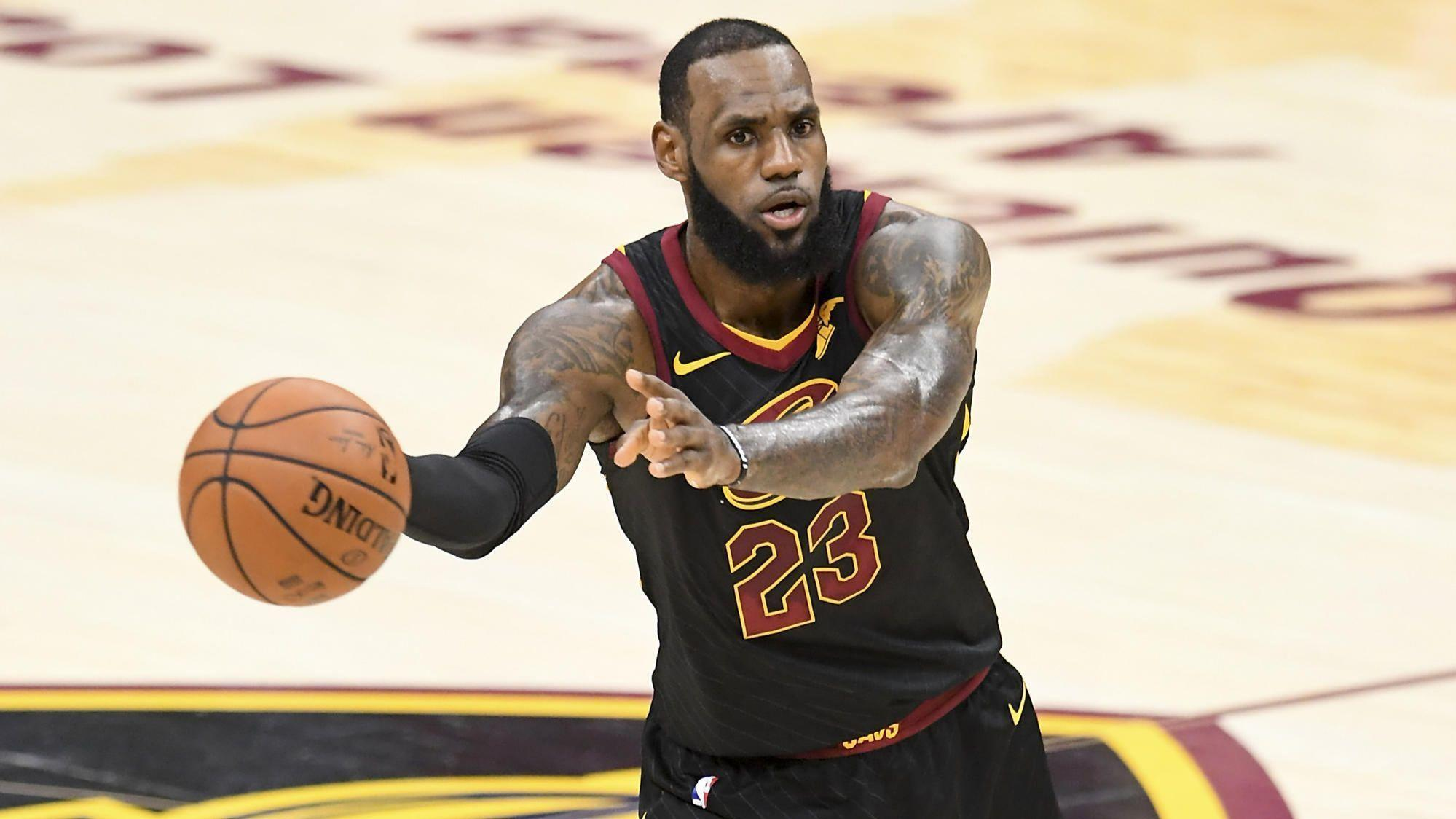 1caae959e3e9 So many dominoes  LeBron James can dictate NBA free agency - Chicago Tribune