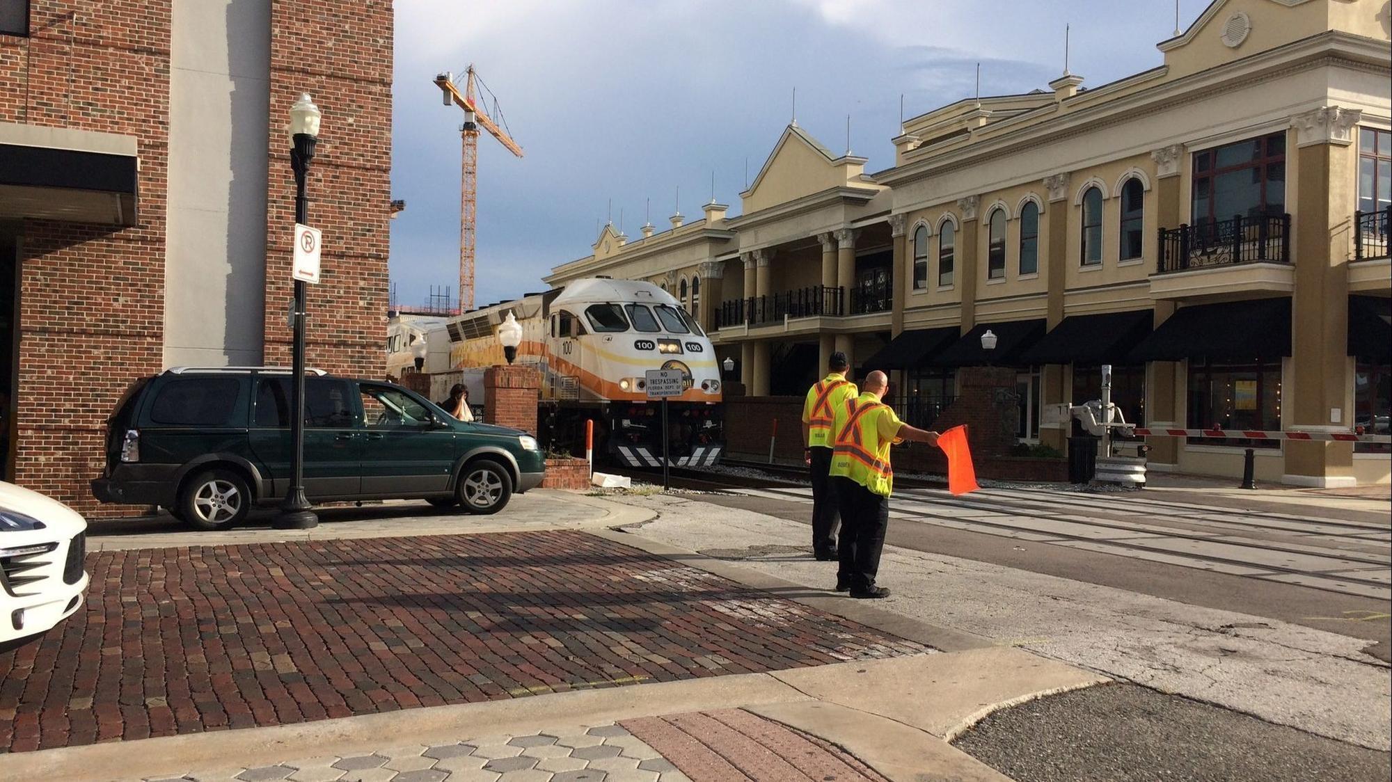 Sunrail Train Hits Suv In Downtown Orlando Orlando Sentinel