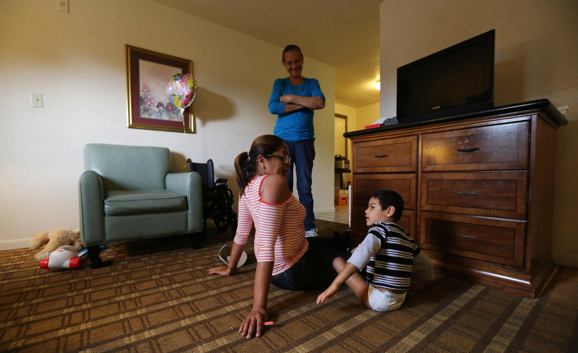 Survey of Puerto Ricans in Florida finds many plan to stay, language barrier a top challenge
