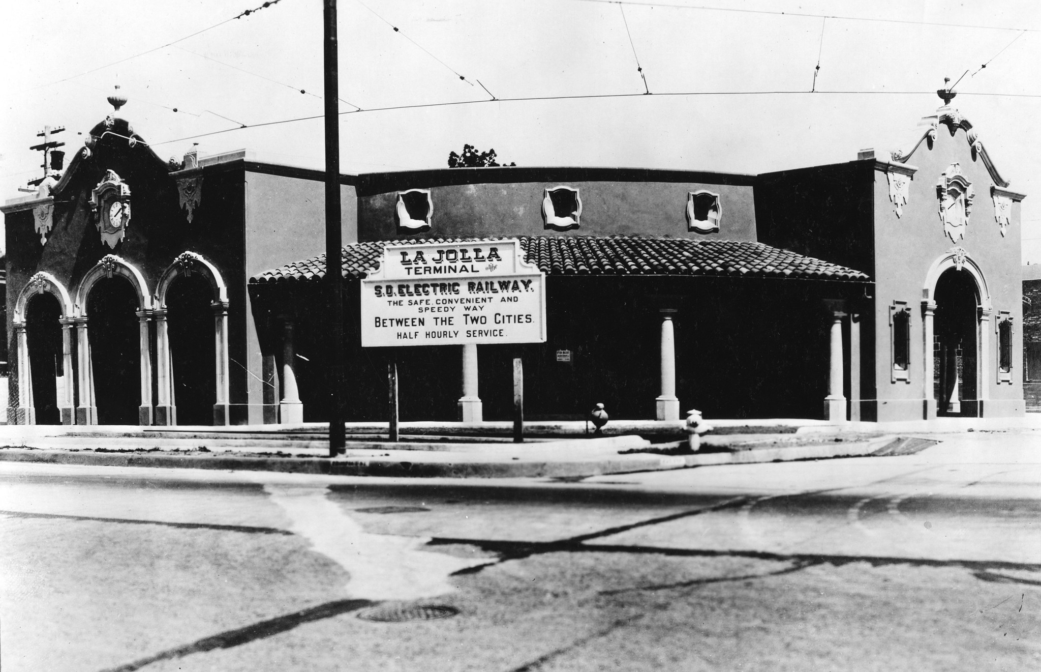 The San Diego Electric Railway's northernmost terminus at the Arcade Depot on La Jolla.