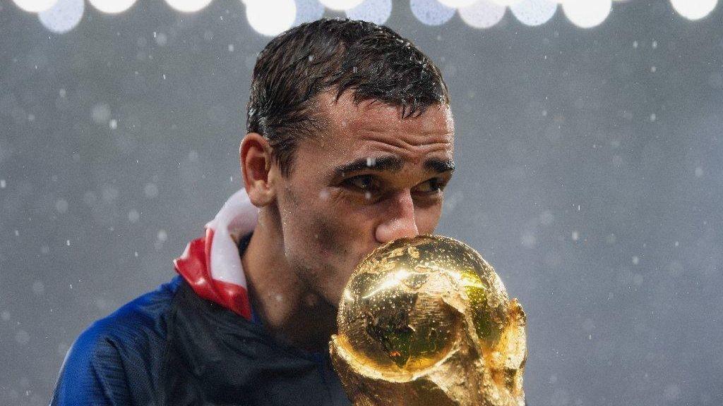 52c166bcf7d1 France star Antoine Griezmann after World Cup win   I love Derrick Rose