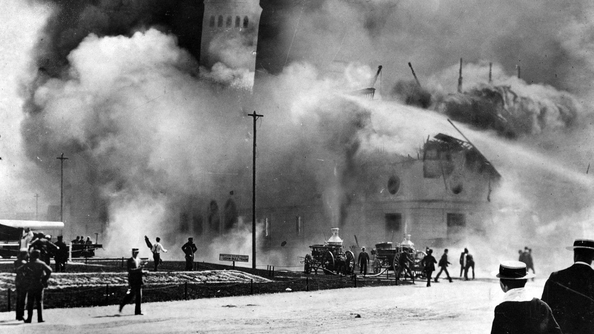 Tragedy at the 1893 World's Fair: Fire killed 16 while crowds watched -  Chicago Tribune