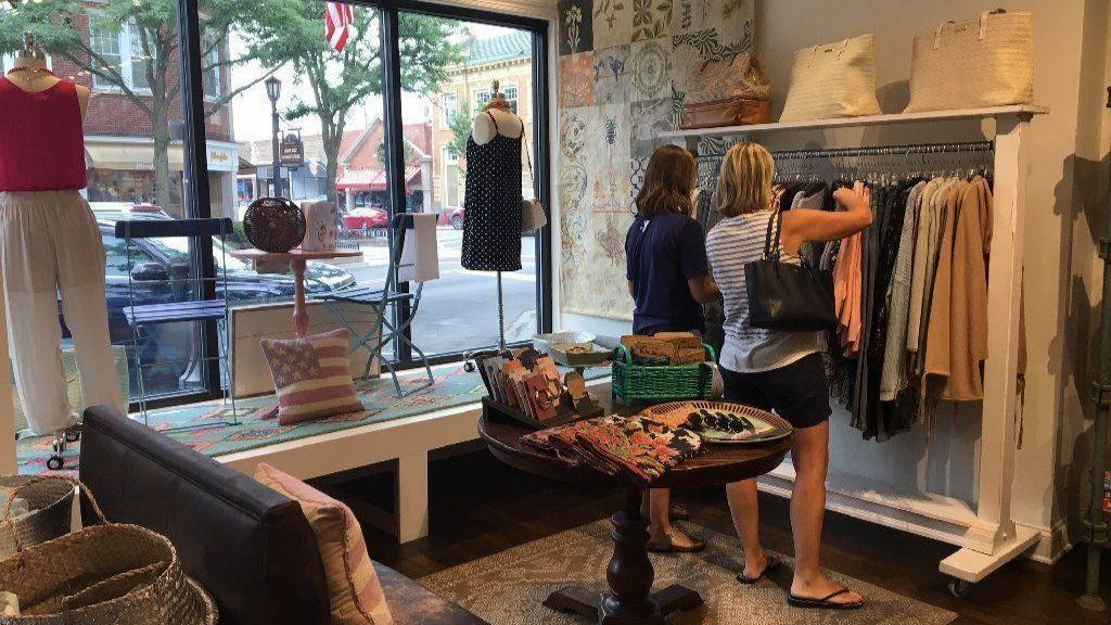230017459 Vintage Charm sells clothing