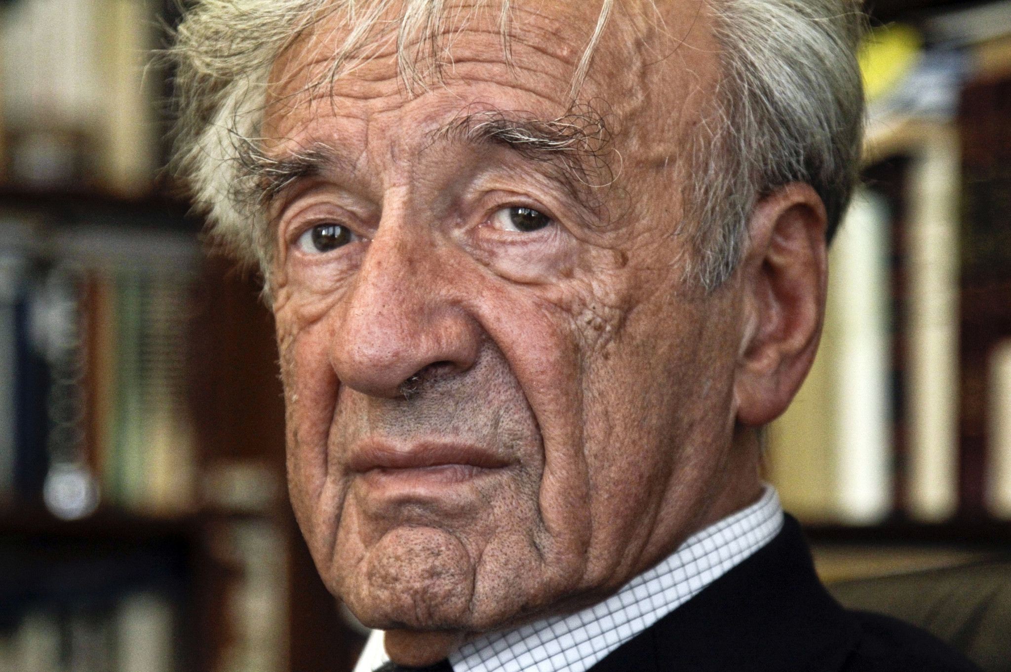 Romanian police investigating anti-Semitic graffiti on Elie Wiesel's house