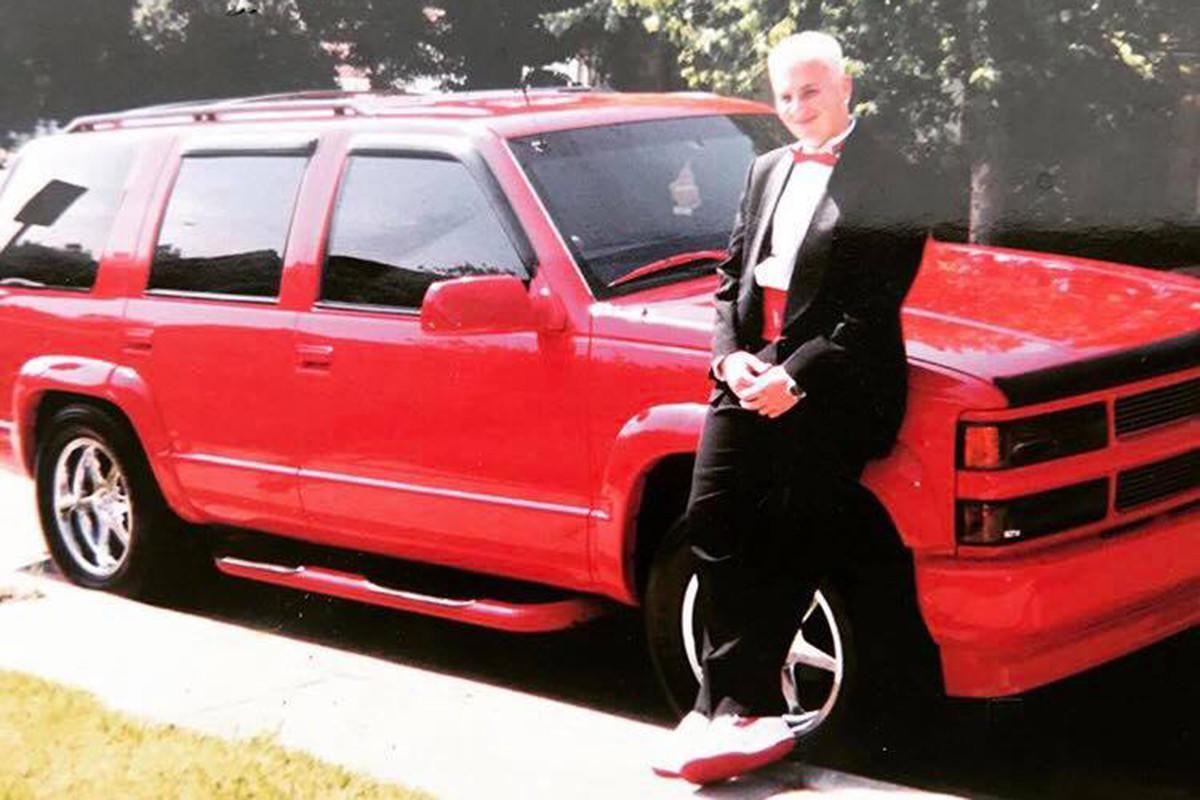 Ian Rice with Lorenzen Wright's custom Chevrolet Tahoe