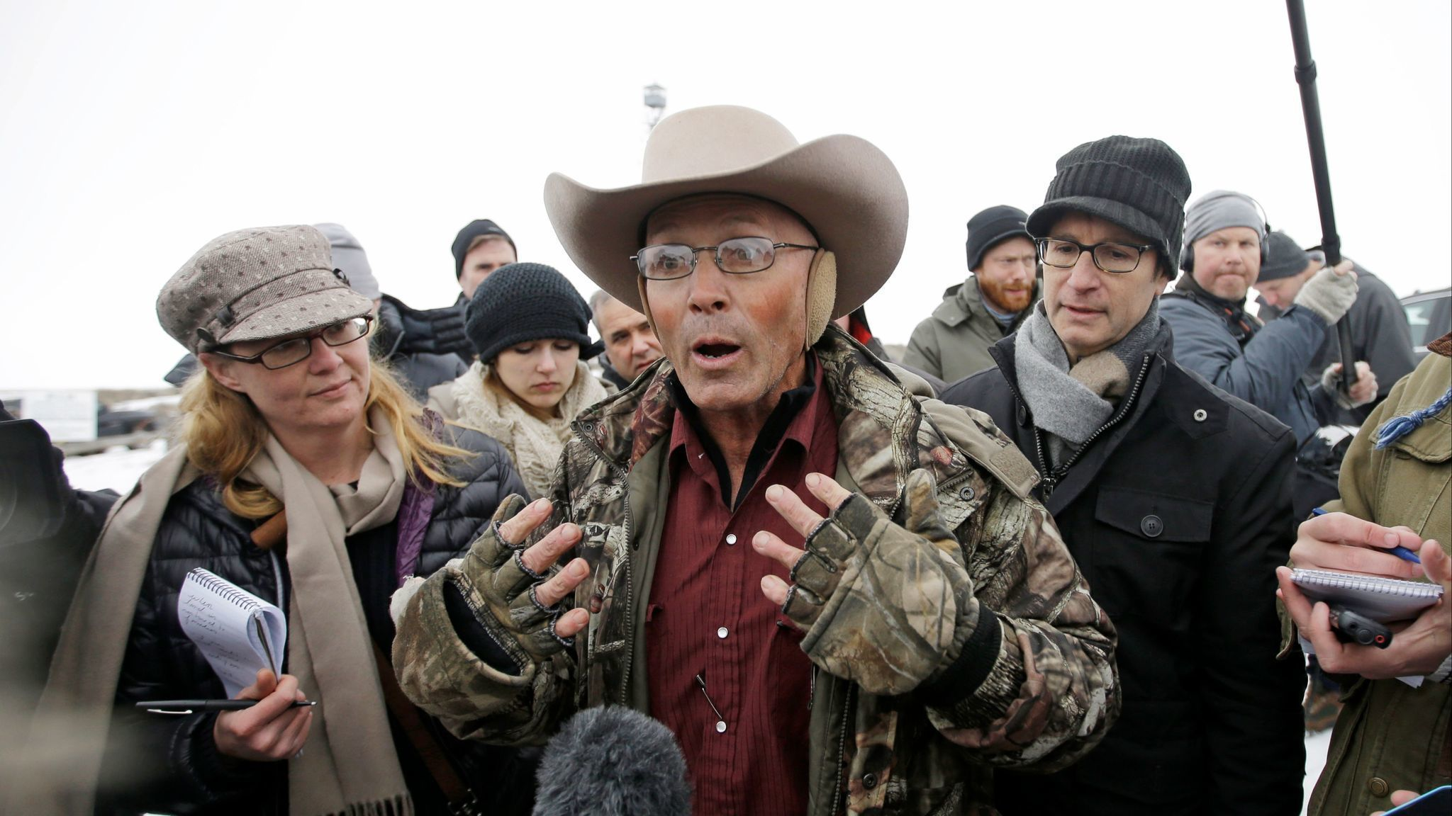 FBI agent acquitted of lying about shooting of militia member after Oregon standoff