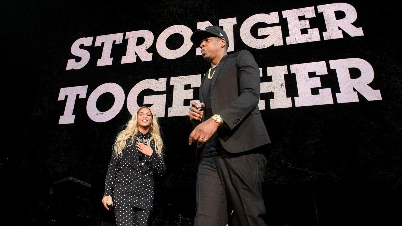 beyonce and jay z concert mixes hollywood cliches with musical drama chicago tribune. Black Bedroom Furniture Sets. Home Design Ideas