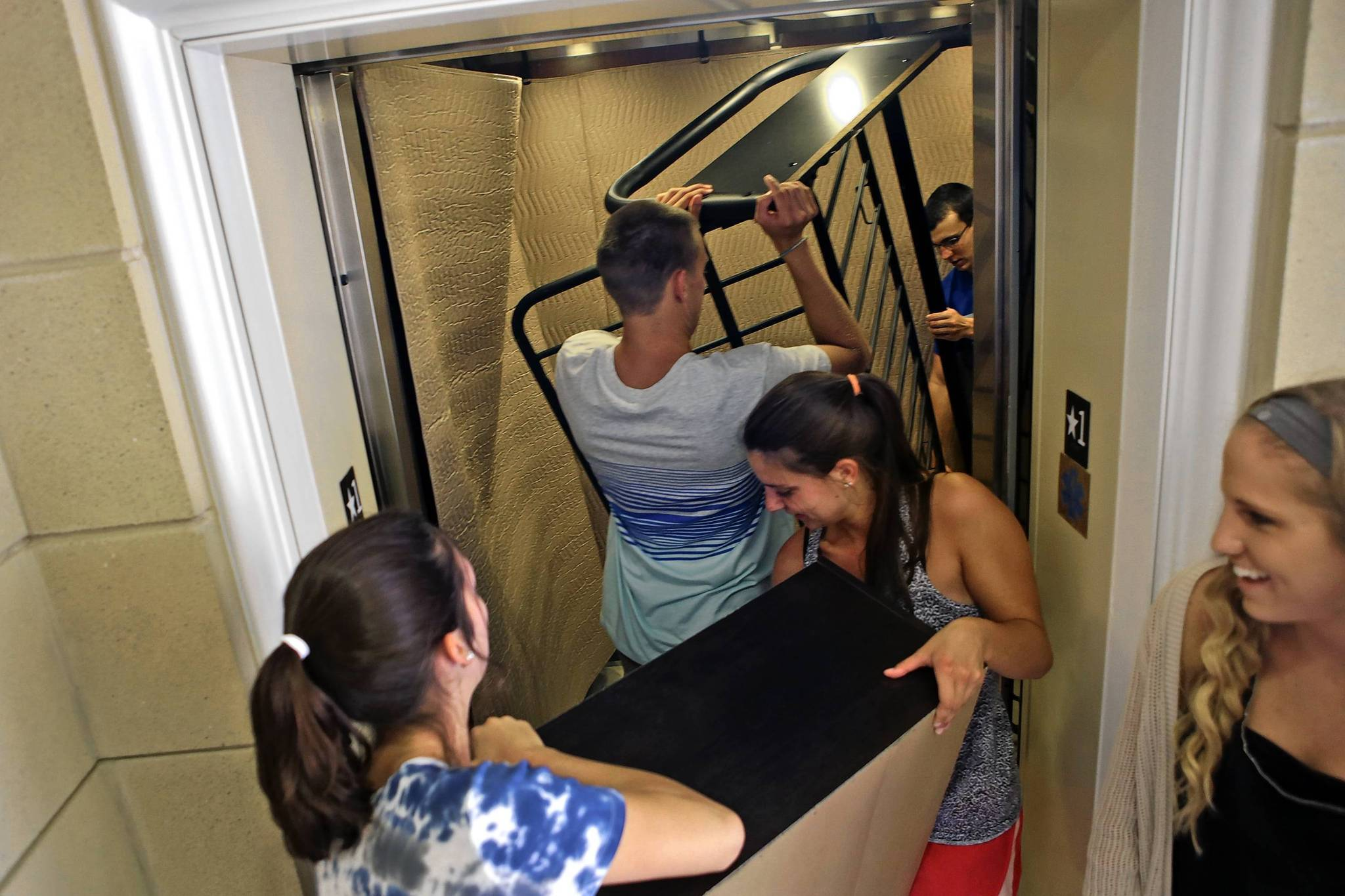 New Dorm Gives Christopher Newport Students A Little More Personal Space Daily Press
