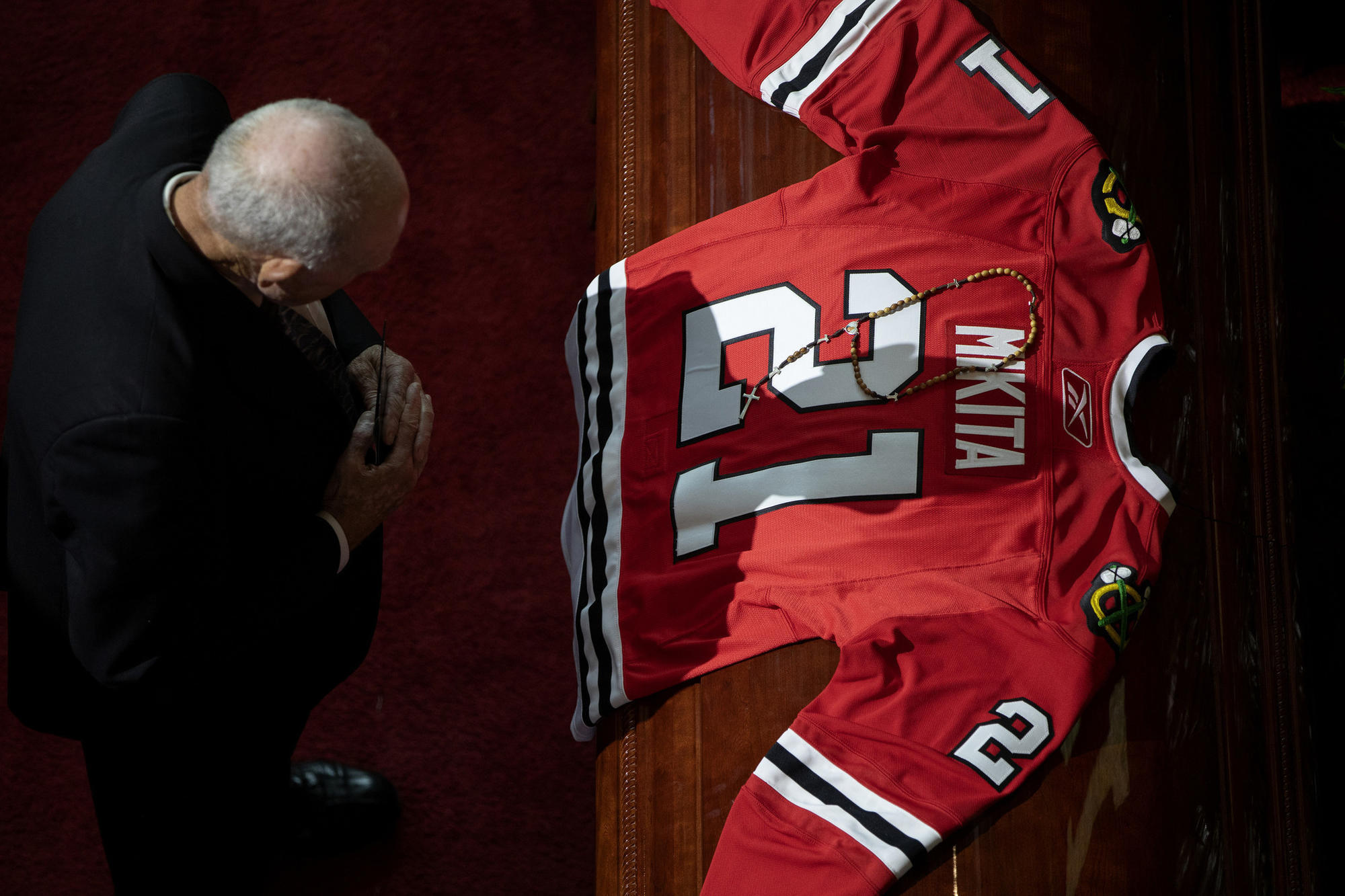 Fans remember Stan Mikita   He was one in a million  - Chicago Tribune edb1782b8
