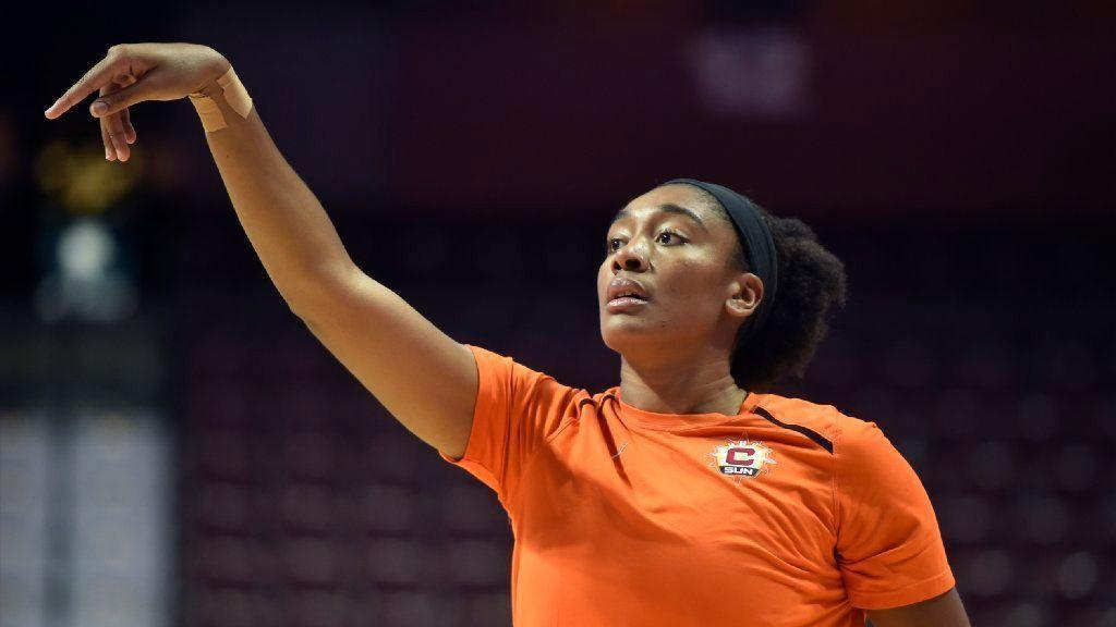 Connecticut Sun Teammates On Opposite Sides Of UConn And Tennessee Rivalry