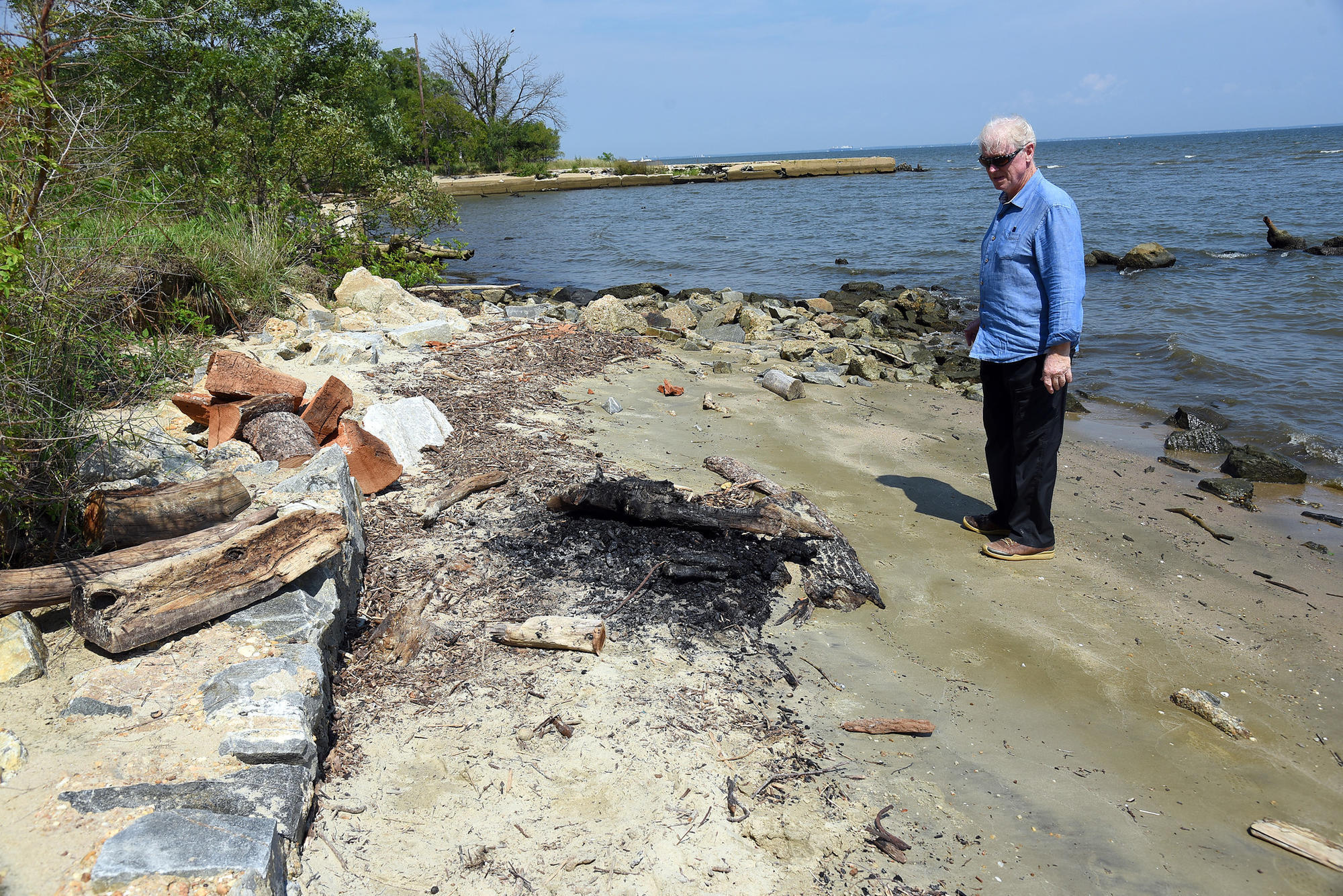 Residents Resort To Burning Storm Debris Clear Their Ss Baltimore Sun