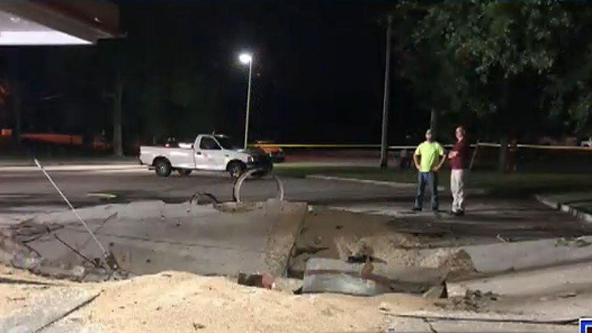 Lightning Strikes Deltona Gas Station Creating Huge Crater Orlando Sentinel