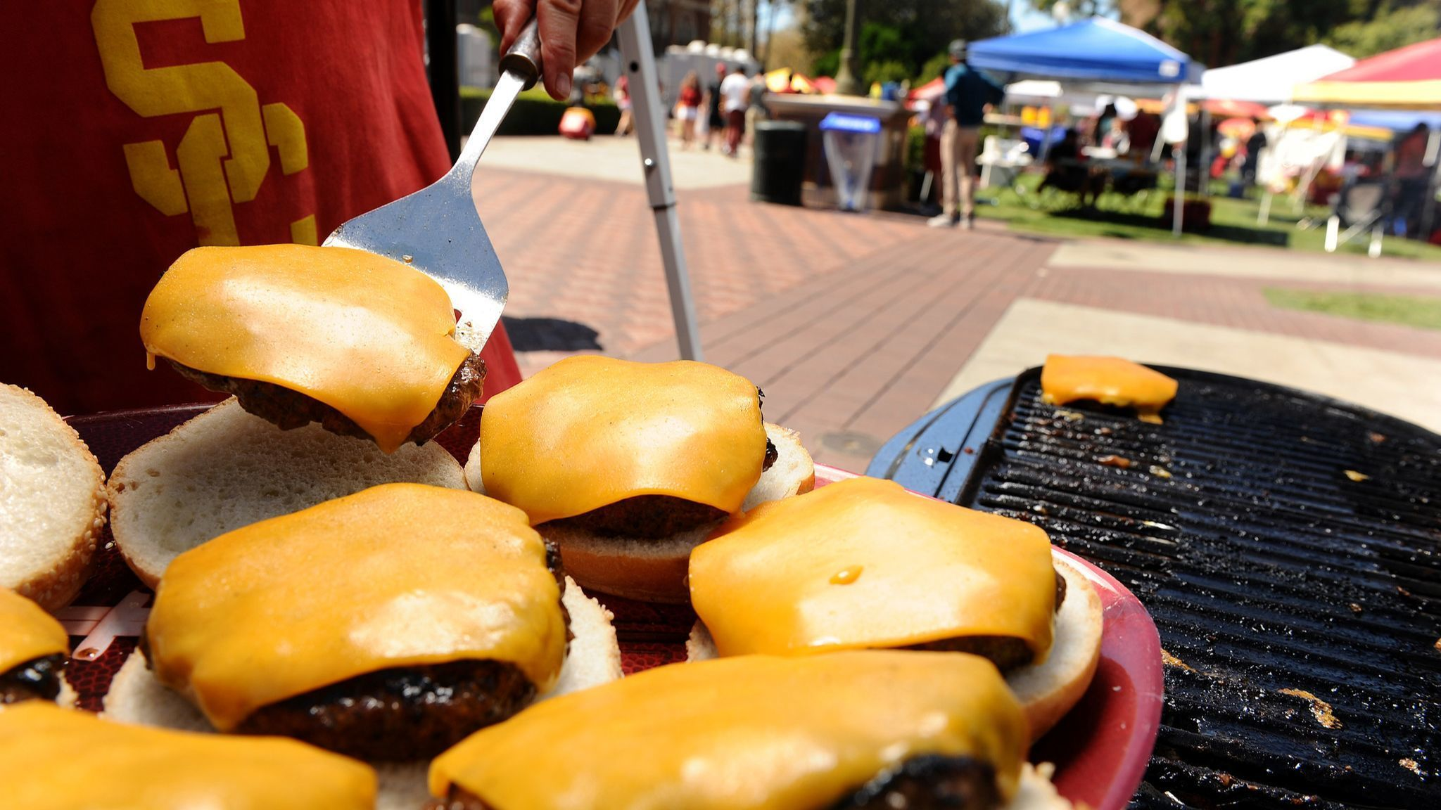 LOS ANGELES, CALIFORNIA SEPTEMBER 19, 2015-Burgers served at a USC tailgate party. (Wally Skalij/Los